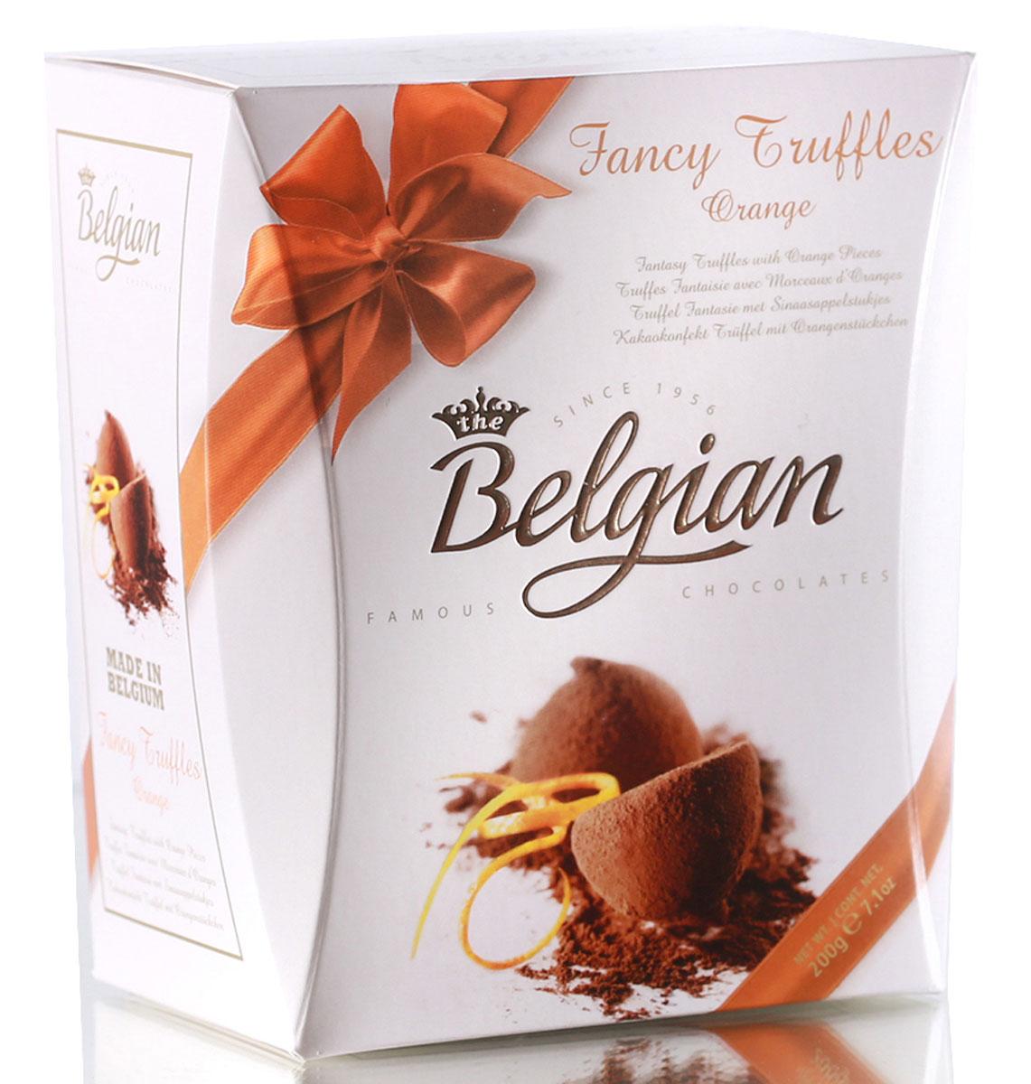 The Belgian Трюфели с кусочками апельсинов, 200 г7.37.19Насыщенный и нежный шоколадный вкус трюфелей чудесно оттеняют хрустящие кусочки засахаренного апельсина, придавая конфетам приятный цитрусовый оттенок. Трюфели превосходно сочетаются с кофе, чаем или капучино. Их можно предложить к какао или молоку. Конфеты составят оригинальную пару с бокалом американского пшеничного пива и Nut Brown Ale.