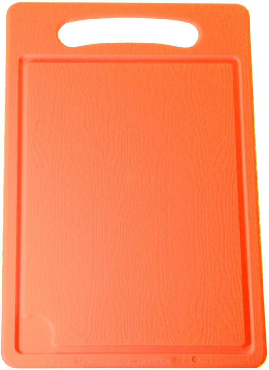 Доска разделочная Plastic Centre, цвет: оранжевый, 36 х 24 см54 009312Разделочная доска может применяться для различных видов продуктов. Доска снабжена желобком для стока жидкости для удобства применения. Доска не впитывает запахи, устойчива к воздействию ножом, благодаря чему изделие более долговечно. На кухне рекомендовано иметь несколько досок для различных видов продуктов: мяса, рыбы, хлеба и овощей.