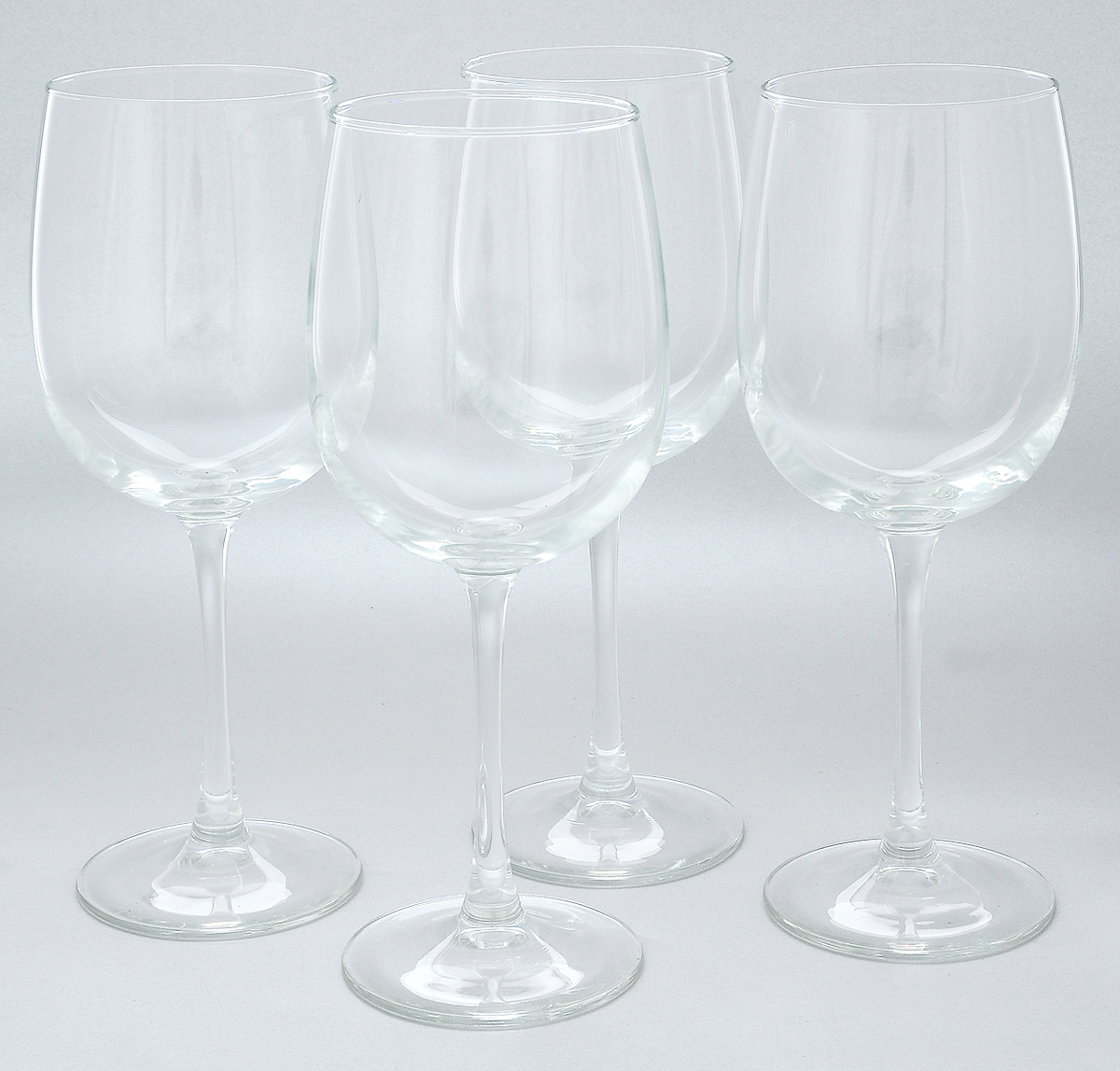 Набор бокалов для вина Luminarc Аллегресс, 550 мл, 4 штVT-1520(SR)Набор Luminarc Аллегресс состоит из четырех бокалов, выполненных из прочного натрий-кальций-силикатного стекла. Изделия оснащены высокими ножками и предназначены для подачи вина. Они сочетают в себе элегантный дизайн и функциональность. Набор бокалов Luminarc Аллегресс прекрасно оформит праздничный стол и создаст приятную атмосферу за романтическим ужином. Такой набор также станет хорошим подарком к любому случаю. Диаметр бокала (по верхнему краю): 7,5 см.Высота бокала: 23 см.