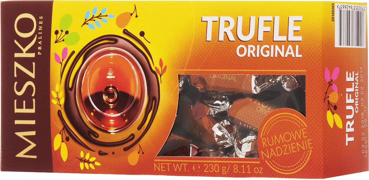 Mieszko Трюфель с ромом набор шоколадных конфет, 230 г8251900Приятное лакомство из трюфельной начинки, со вкусом Рома, покрытые глазурью из темного шоколада. В конфетах Mieszko соединились два излюбленных лакомства мира сладостей: изысканная трюфельная начинка и качественный шоколад. Это лакомство понравится всем тем, кто предпочитает чистые классические вкусы. Конфеты покрыты самой лучшей шоколадной глазурью и не содержат консервантов.