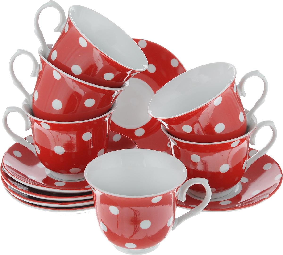 Набор чайный Loraine, цвет: белый, красный, 12 предметов. 2590625927Чайный набор Loraine состоит из шести чашек и шести блюдец. Изделия выполнены из высококачественного фарфора и оформлены красивым принтом в горошек. Такой набор изящно дополнит сервировку стола к чаепитию. Благодаря оригинальному дизайну и качеству исполнения, он станет замечательным подарком для ваших друзей и близких. Объем чашки: 220 мл. Диаметр чашки (по верхнему краю): 9 см. Высота чашки: 7,5 см. Диаметр блюдца: 14 см.Высота блюдца: 2 см.
