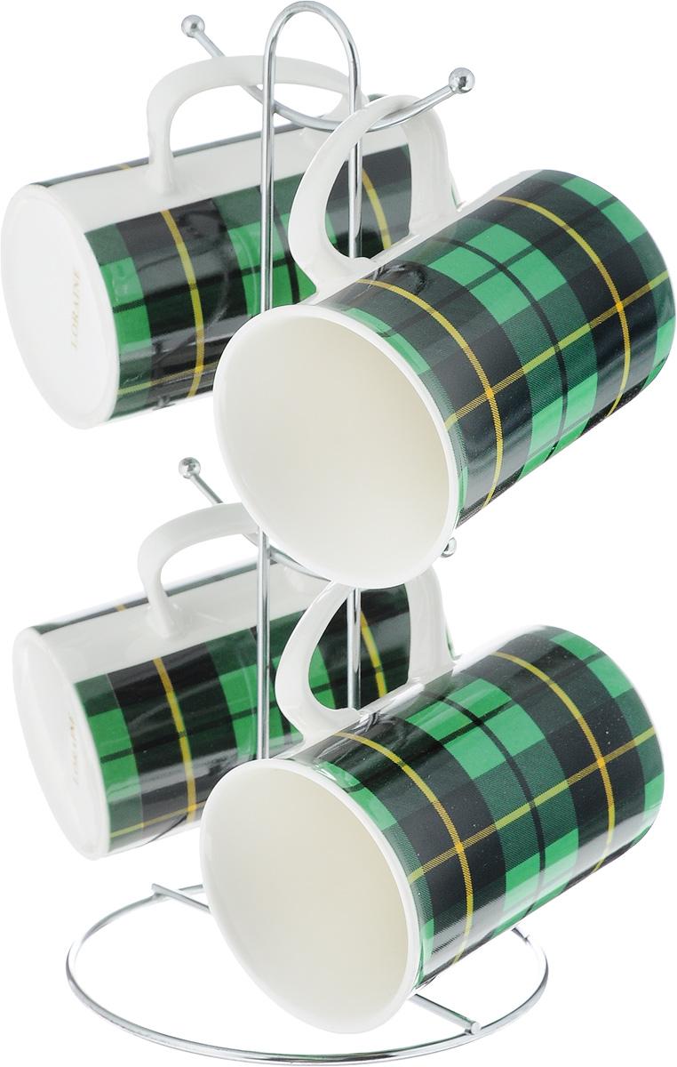 Набор кружек Loraine, на подставке, цвет: зеленый, черный, 5 предметов. 24210VT-1520(SR)Набор Loraine состоит из 4 кружек и подставки. Кружки изготовлены из глазурованной керамики и украшены узором клетка. Теплостойкие ручки обеспечивают комфортное использование. Кружки подходят для горячих и холодных напитков. Изящный дизайн придется по вкусу и ценителям классики, и тем, кто предпочитает современный стиль. Он настроит на позитивный лад и подарит хорошее настроение с самого утра. В комплекте - металлическая подставка с крючками для подвешивания кружек. Набор кружек - идеальный и необходимый подарок для вашего дома и для ваших друзей на праздники, юбилеи и торжества. Кружки подходят для мытья в посудомоечной машине, можно использовать в СВЧ и ставить в холодильник. Объем кружек: 320 мл. Диаметр кружки (по верхнему краю): 7,5 см. Высота кружки: 11 см. Размер подставки: 13 х 13 х 26,5 см.
