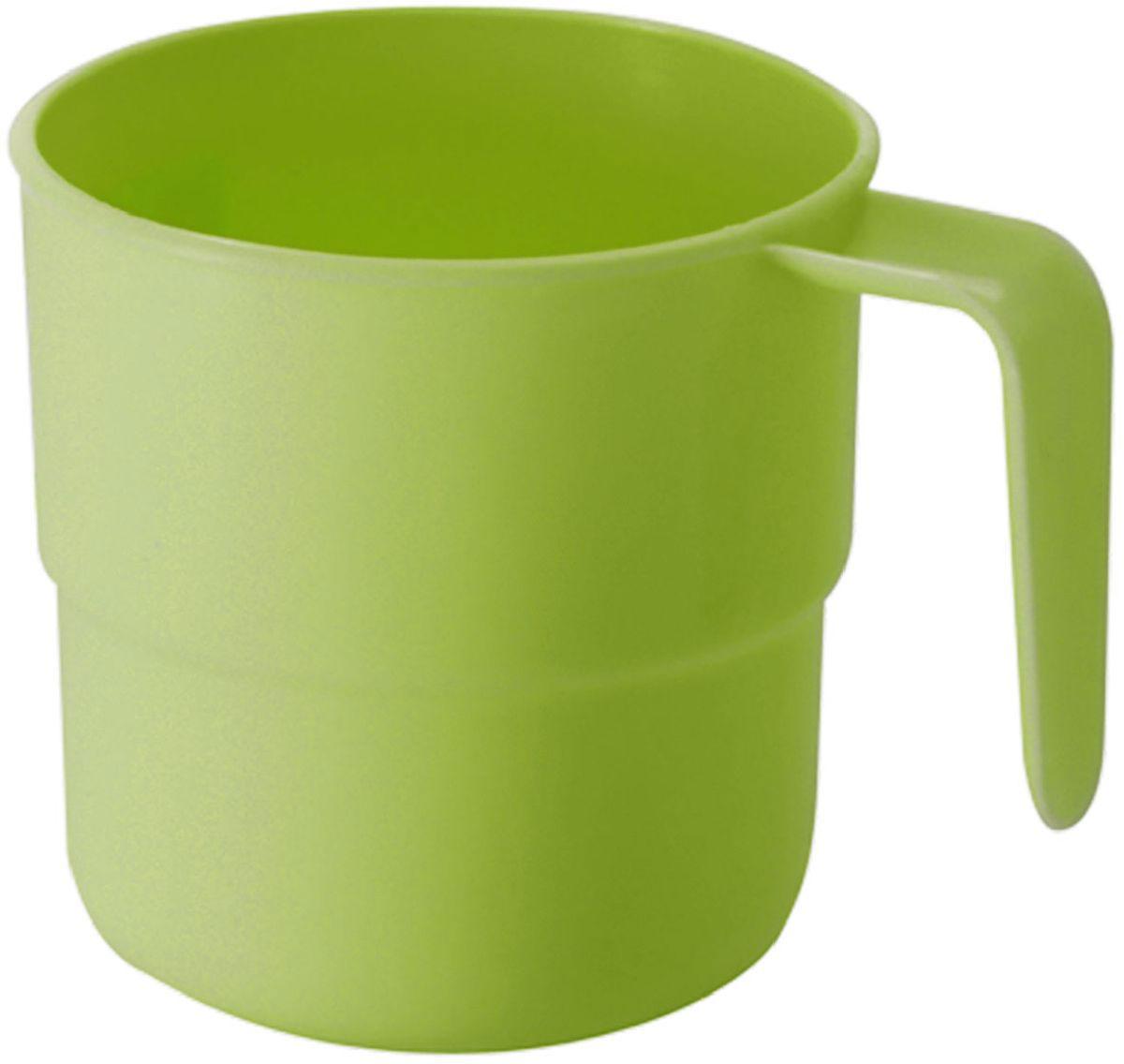 Кружка Plastic Centre, цвет: светло-зеленый, 250 мл68/5/4Кружка кемпинговая прекрасно подойдет для дачи, пикника или поездки в поезде. Легкую кружку удобно взять с собой на природу. Прочный пластик подходит для многократного использования.Объем кружки: 250 мл.Размер кружки: 10,5 х 8 см.