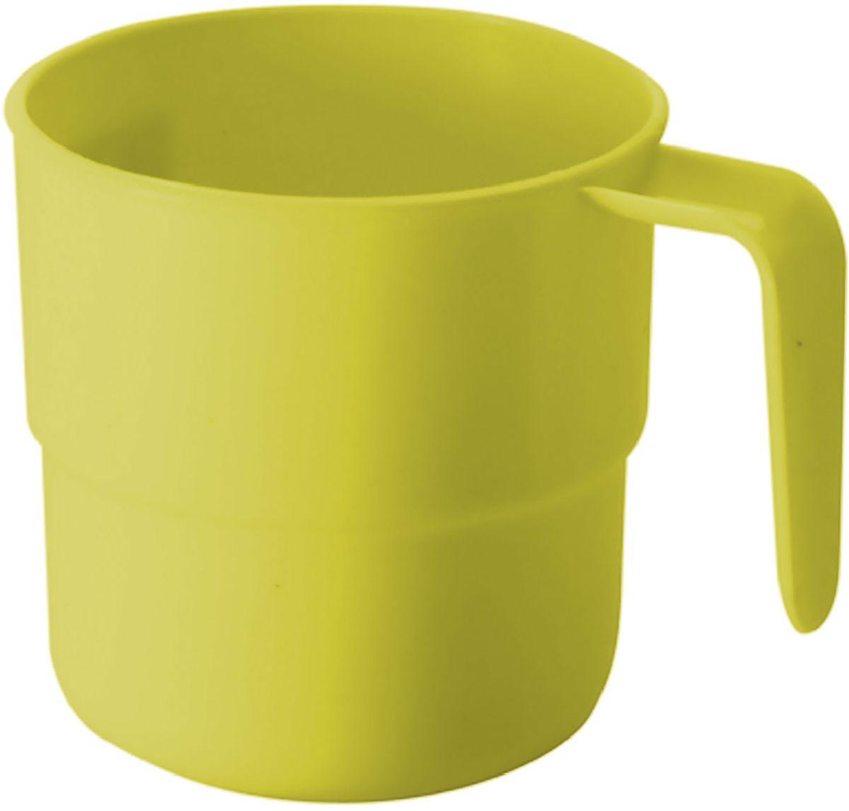 Кружка Plastic Centre, цвет: желтый, 250 мл115510Кружка кемпинговая прекрасно подойдет для дачи, пикника или поездки в поезде. Легкую кружку удобно взять с собой на природу. Прочный пластик подходит для многократного использования.Объем кружки: 250 мл.Размер кружки: 10,5 х 8 см.