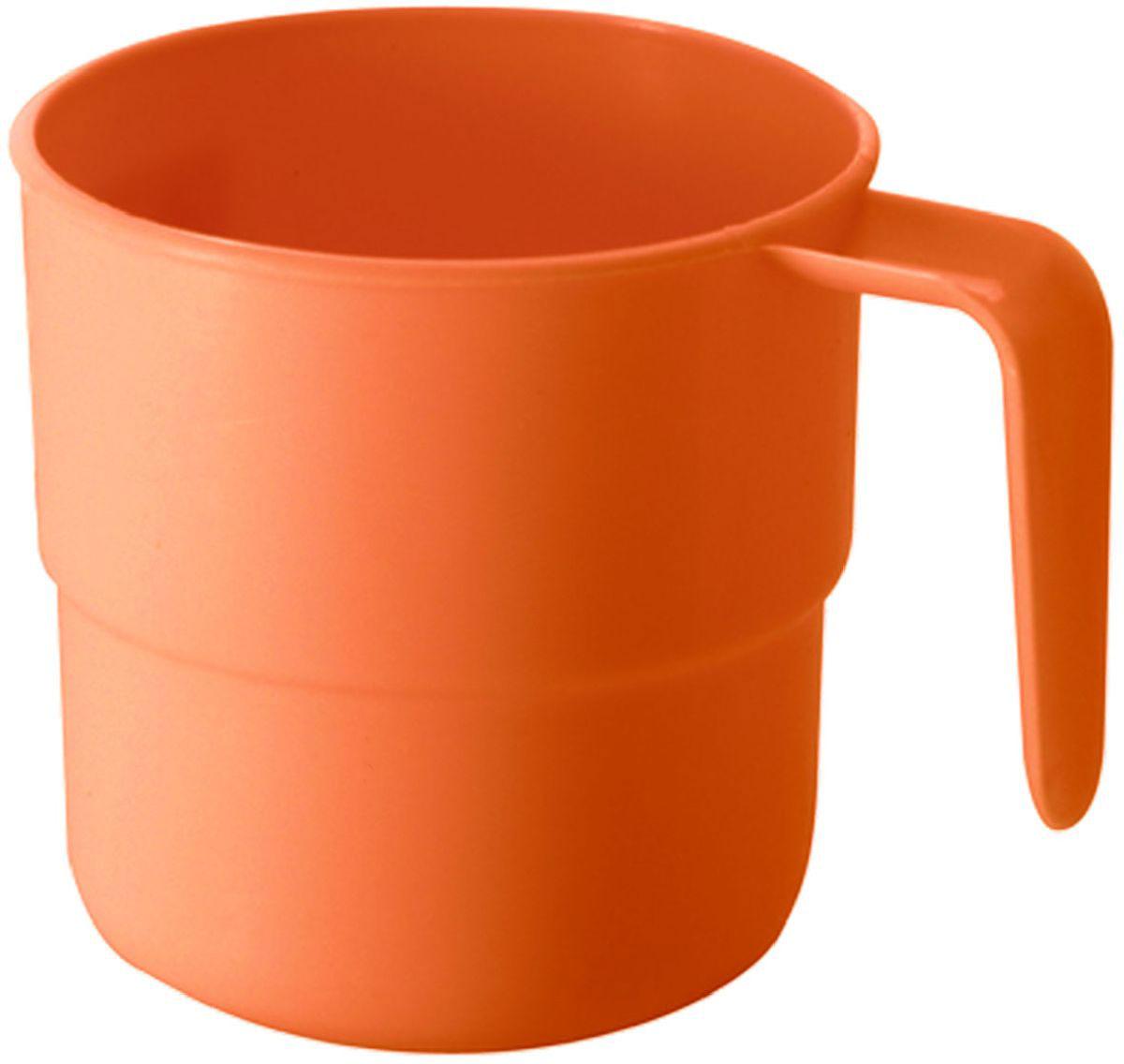 Кружка Plastic Centre, цвет: оранжевый, 250 мл54 009312Кружка кемпинговая прекрасно подойдет для дачи, пикника или поездки в поезде. Легкую кружку удобно взять с собой на природу. Прочный пластик подходит для многократного использования.Объем кружки: 250 мл.Размер кружки: 10,5 х 8 см.