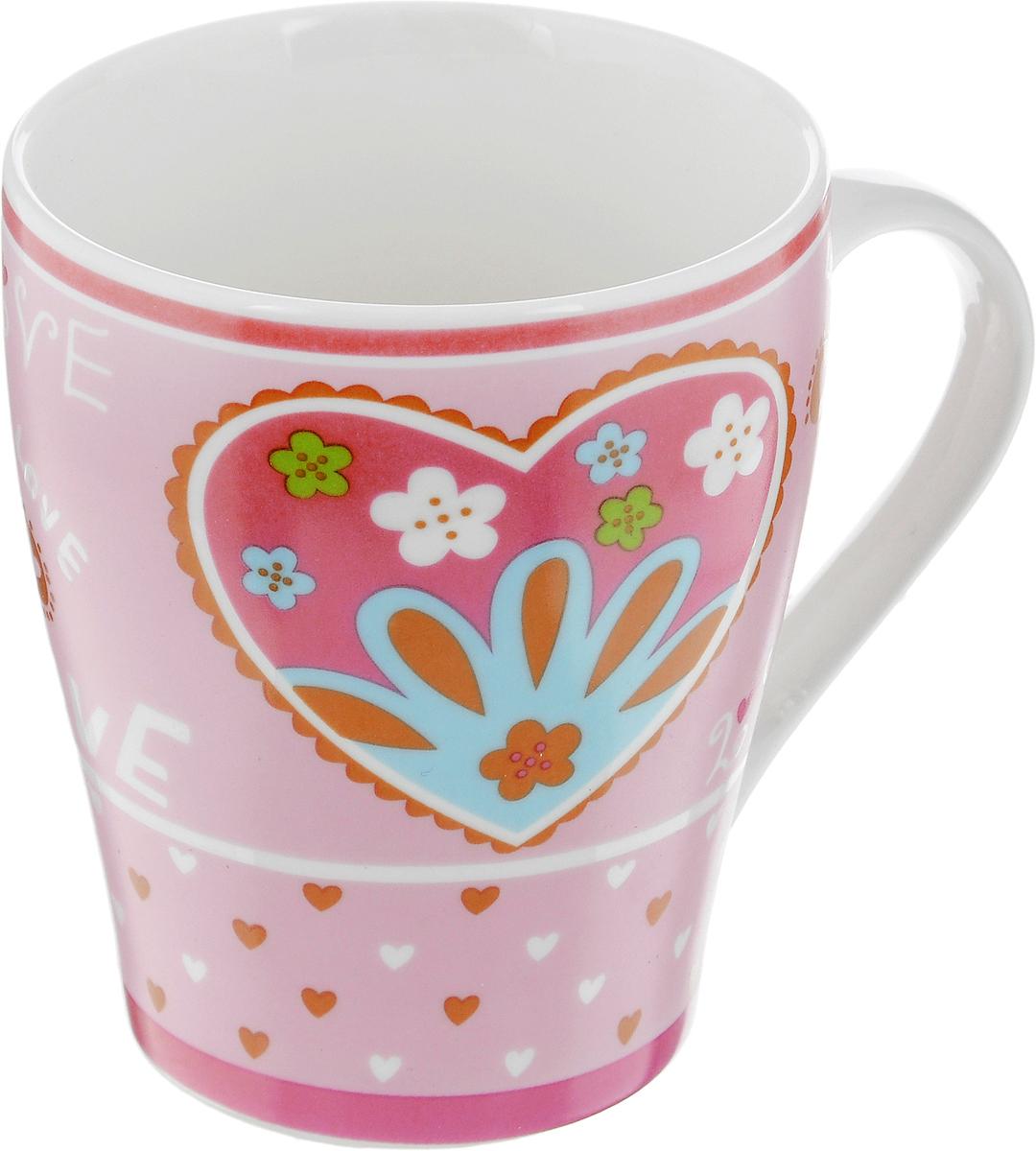 Кружка Loraine Сердце, цвет: розовый, 350 мл115510Кружка Loraine Сердце изготовлена из прочного качественного костяного фарфора. Изделие оформлено красочным рисунком. Благодаря своим термостатическим свойствам, изделие отлично сохраняет температуру содержимого - морозной зимой кружка будет согревать вас горячим чаем, а знойным летом, напротив, радовать прохладными напитками. Такой аксессуар создаст атмосферу тепла и уюта, настроит на позитивный лад и подарит хорошее настроение с самого утра. Это оригинальное изделие идеально подойдет в подарок близкому человеку. Диаметр (по верхнему краю): 8,5 см.Высота кружки: 10 см.