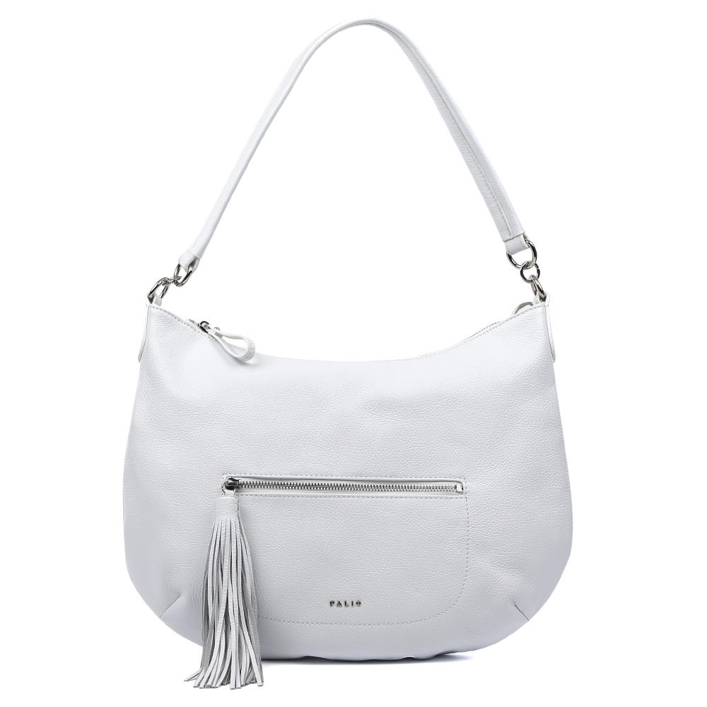 Сумка женская Palio, цвет: белый. 15101A-065BM8434-58AEИзысканная сумка-мешок от итальянского бренда Palio выполнена из натуральной кожи, которая имеет мягкую и нежную фактуру. Классический белый цвет и стильная фурнитура под серебро придают модели нотки весенне-летнего шарма и очарования, поэтому прекрасно дополнят как классический, так и романтический образ. Дизайнерский кисточка- брелок, который украшает лицевую часть сумки, с легкостью подчеркнет ваш уникальный и неповторимый вкус. Сумка имеет одно вместительное отделение, где Вы сможете разместить любые папки и документы формата А4. Также внутри аксессуара вы с легкостью расположите свой сотовый телефон и другие женские мелочи за счет удобных карманов. На тыльной стороне модели дизайнеры разместили вместительный карман, который закрывается на стильную молнию с кожаным поводком.