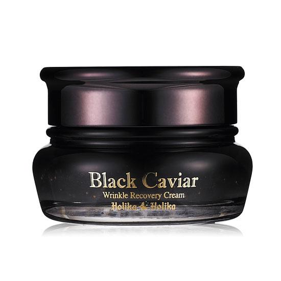 Holika Holika Питательный лифтинг крем Черная икра, 50 мл10367Holika Holika Black Caviar Anti-Wrinkle Cream – это роскошный ночной крем «Черная икра» с 30% содержанием экстракта белужьей икры. Ионы золота в составе средства улучшают усвоение кожей других компонентов. Обладает заметным лифтинг – эффектом. Кожа свежая, гладкая и подтянутая. Применение: на завершающем этапе ухода за кожей нанесите необходимое количество крема на все лицо легкими похлопывающими движениями до полного впитывания. Предостережения: не используйте на области вокруг глаз, избегайте попадания средства в глаза, только для наружного применения. Состав: ацетиловая кислота, аденозин, Бис-ПЭГ/ППГ-14/14 диметикон, бутилен гликоль, масло ши, экстракт икры, CI 77268:1, циклометикон, циклопентасилоксан, диметикон/ винил диметикон кроссполимер, динатрия ЭДТА, глицерет-26, глицерин, золото, метил парабен, слюда, ПЭГ/ ППГ-18/18 диметикон, ПЭГ/ ППГ-19/19 диметикон, пропил парабен, хлорид натрия, цитрат натрия, синтетический флюорфлогопит, оксид олова, диоксид титана, вода.Объём: 50 мл.