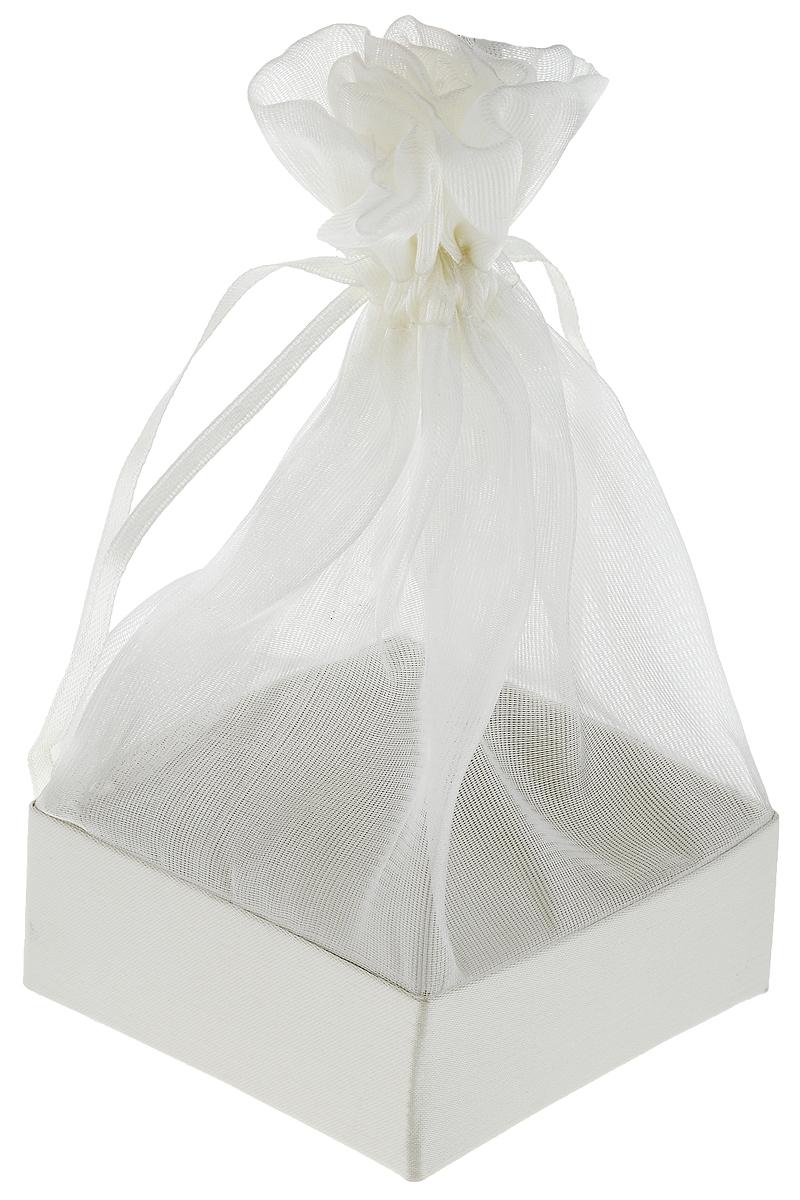 Коробочка для подарка Piovaccari Тиффани, цвет: кремовый, 7,5 х 7,5 х 15 см498137_2-Ф слоновая костьКоробочка для подарка Piovaccari Тиффани выполнена в виде мешочка из полупрозрачной органзы с квадратным основанием из твердого картона. Изделие на кулиске затягивается с помощью лент. Piovaccari Тиффани станет одним из самых оригинальных вариантов упаковки для подарка. Изысканный дизайн будет долго напоминать владельцу о трогательных моментах получения подарка.