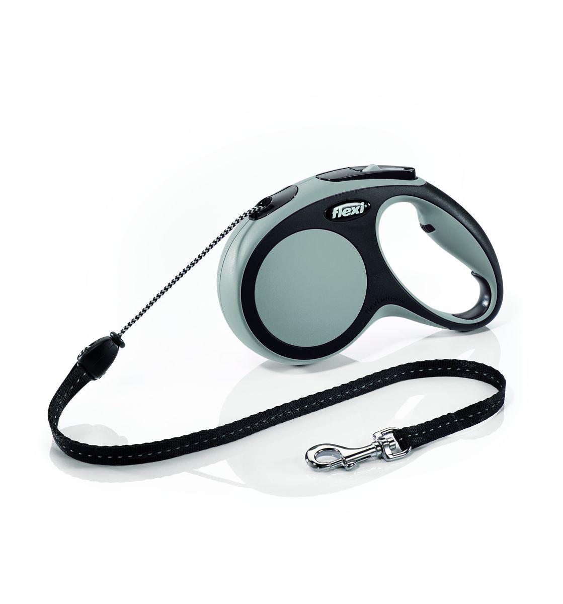 Поводок-рулетка Flexi New Comfort М, трос, для собак весом до 20 кг, цвет: черный, серый, 5 м0120710Тросовый поводок-рулетка обеспечивает каждой собаке свободу движения, что идет на пользу здоровью и радует вашего четвероногого друга. Рулетка очень проста в использовании. Оснащена кнопками кратковременной и постоянной фиксации. Рулетку можно оснастить - мультибоксом для лакомств или пакетиков для сбора фекалий, LED подсветкой корпуса.Прочный корпус, хромированная застежка и светоотражающие элементы.На рукоятке имеется колесико позволяющее адаптировать размер рукоятки под размер рукиДлина 5 м.Для собак весом до 20 кг.