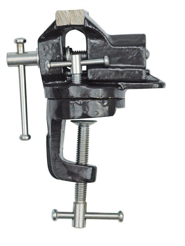 Тиски настольные Vorel, поворотные, цвет: черный, 60 мм36016_черныйТиски Vorel, выполненные из чугуна,служат для того, чтобы мастеру было удобно обрабатывать объект, предварительно зажав его, чтобы он не двигался в процессе работы. Крепятся тиски на рабочем столе (или как его еще называют верстаке) с помощью мощных болтов. Тяги, винт и челюсти закаленные. Поворотный круг дает пользователям возможность быстро и легко изменять положение заготовки без надобности переставлять тиски.
