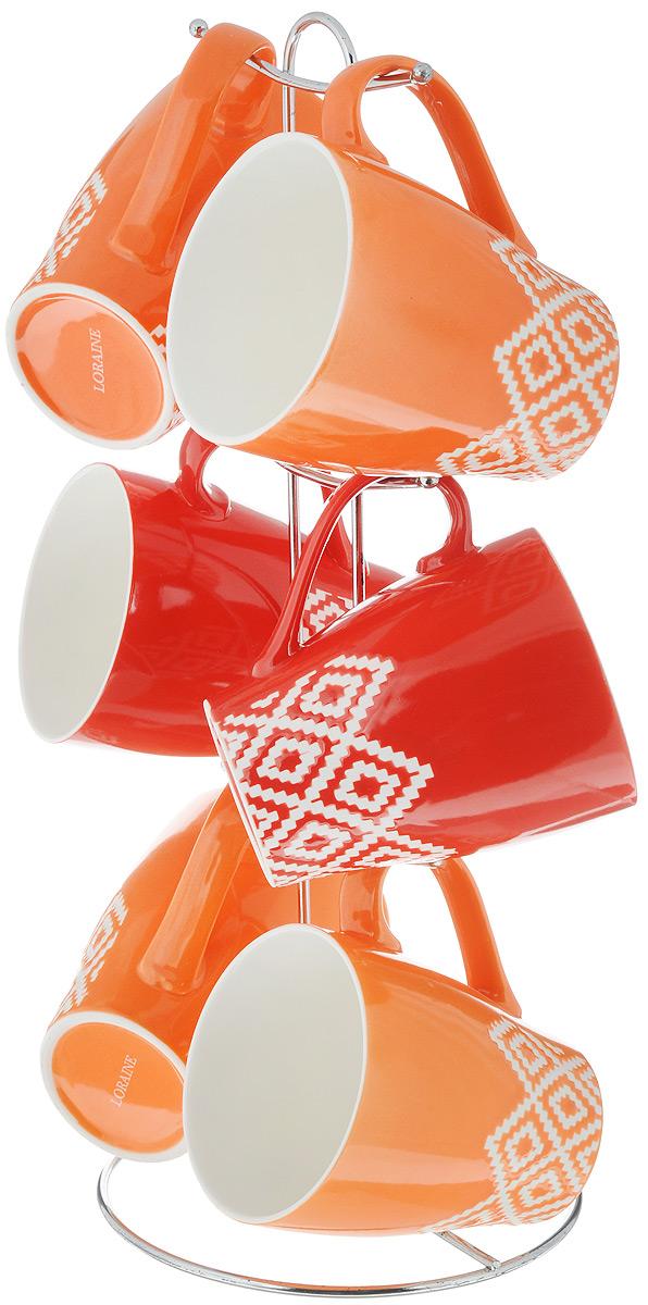 Набор чашек Loraine, на подставке, 7 предметов. 24643YM-S4-006/600Набор Loraine состоит из 6 чашек, выполненных из высококачественной керамики и оформленных оригинальным принтом. Чашки подходят для горячих и холодных напитков. Изделия удобно располагаются на металлической подставке. Такой набор впишется в любой интерьер, а также станет отличным подарком на любой праздник.Можно мыть в посудомоечной машине и использовать в микроволновой печи.Диаметр чашки (по верхнему краю): 9 см.Высота чашки: 10,5 см.Объем: 390 мл.Размер подставки: 16 х 16 х 37 см.