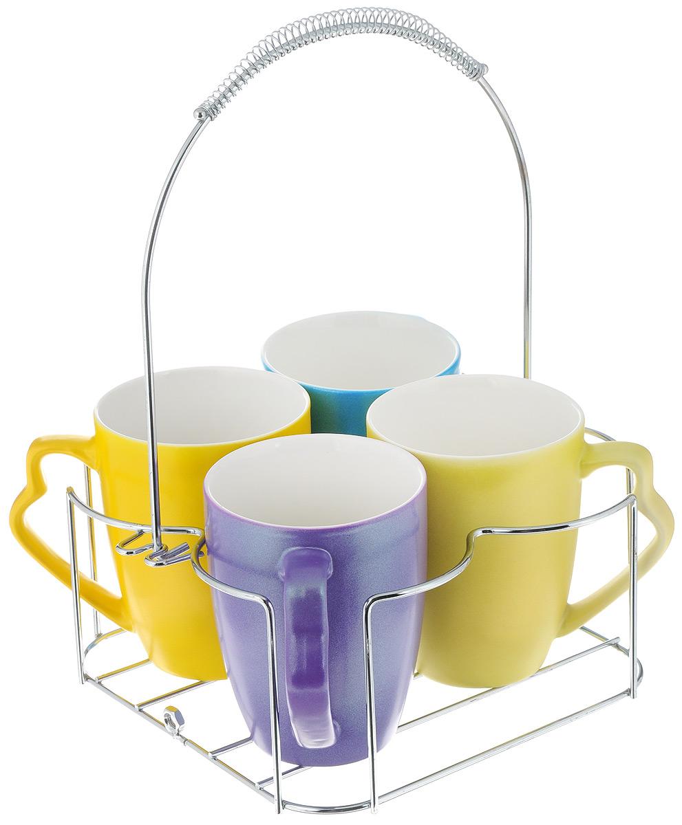 Набор чашек Loraine, на подставке, 5 предметов. 24658VT-1520(SR)Набор Loraine состоит из 4 кружек и подставки. Кружки изготовлены из глазурованной керамики и украшены ярким рисунком. Теплостойкие ручки обеспечивают комфортное использование. Кружки подходят для горячих и холодных напитков. Изящный дизайн придется по вкусу и ценителям классики, и тем, кто предпочитает современный стиль. Он настроит на позитивный лад и подарит хорошее настроение с самого утра. В комплекте - металлическая подставка. Набор кружек - идеальный и необходимый подарок для вашего дома и для ваших друзей на праздники, юбилеи и торжества. Кружки подходят для мытья в посудомоечной машине, можно использовать в СВЧ и ставить в холодильник. Объем кружек: 350 мл. Диаметр кружки (по верхнему краю): 8 см. Высота кружки: 10 см. Размер подставки: 19 х 20,3 х 19 см.