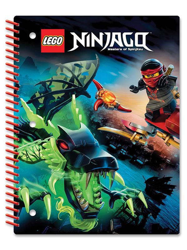 LEGO Ninjago Тетрадь на спирали 70 листов в линейку 51627730396Тетрадь LEGO Ninjago на спирали в линейку предназначена для школьных занятий и просто для записей. Стильный дизайн обложки, сочетающий различные цвета и изображения любимых персонажей делает тетрадь подходящей для учеников начальной и средней школы. Плотная обложка из высококачественного картона не даст помяться страничкам.