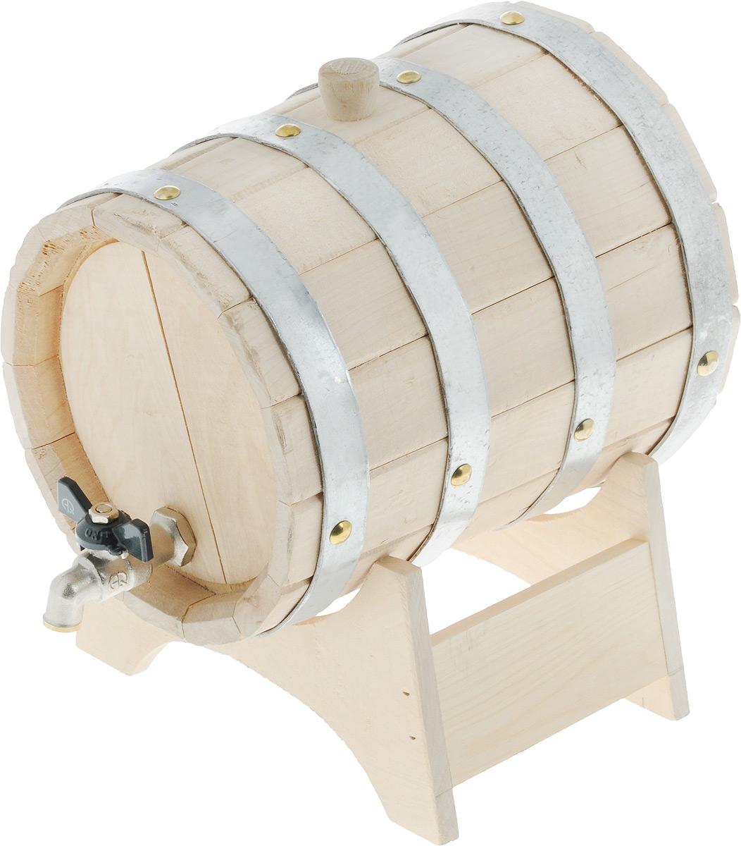 Бочонок для бани и сауны Proffi Home, на подставке, 3 л531-301Бочонок Proffi Home изготовлен из березы. Он прекрасно впишется своим дизайном в интерьер.Березовый бочонок является одним из лучших среди бондарных изделий для использования в бане или сауне. Корпус бочонка стянут металлическими обручами с клепками. Для более удобного использования изделие имеет краник и подставку. Главное достоинство в том, что все полезные свойства остаются в сохранности.Эксплуатация бондарных изделий. Перед первым использованием бондарное изделие рекомендуется подготовить. Для этого нужно наполнить изделие холодной водой и оставить наполненным на 2-3 часа. Затем необходимо воду слить, обдать изделие сначала горячей, потом холодной водой. Не рекомендуется оставлять бондарные изделия около нагревательных приборов, а также под длительным воздействием прямых солнечных лучей.С момента начала использования бондарного изделия не рекомендуется оставлять его без воды на срок более 1 недели. Но и продолжительное время хранить в таких изделиях воду тоже не следует.После каждого использования необходимо вымыть и ошпарить изделие кипятком. В качестве моющих средств желательно использовать пищевую соду либо раствор горчичного порошка.Правильное обращение с бондарными изделиями позволит надолго сохранить их эксплуатационные свойства и продлить срок использования! Объем бочонка: 3 л. Диаметр бочонка (по верхнему краю): 17 см. Размер подставки: 21,5 х 14 х 11 см.