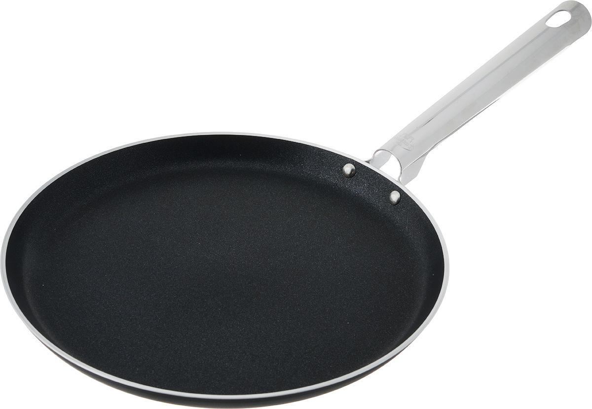 Сковорода блинная Ballarini Rialto, с антипригарным покрытием. Диаметр 25 смAL-4544.24Блинная сковорода Ballarini Rialto выполнена из алюминия и имеет современноевнутреннее антипригарное покрытие. Покрытие экологично, не содержит фтора, исключает пригорание даже при отсутствии масла, устойчиво к царапинам и повреждениям. Стальная несъемная ручка не скользит в руке и приятна на ощупь. Сковорода подходит для всех типов плит, кроме индукционных. Можно мыть в посудомоечноймашине. Можно использовать в духовке до 160С. Диаметр сковороды: 25 см. Высота стенки: 2 см. Длина ручки: 19,5 см.