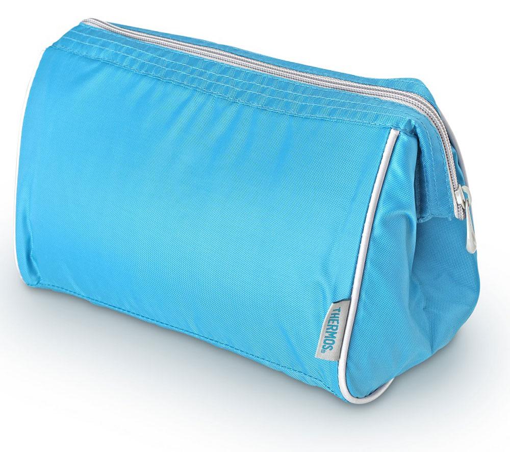 Термосумка Thermos Storage Kit, цвет: голубой, 4,5 л6.295-875.0Изотермическую сумка Storage Kit, с застежкой -молнией предназначена для длительных поездок. Способна вместить довольно большой объем кремов, мазей, медикаментов и других препаратов не предназначенных для хранения в тепле. Способна вместить довольно большой объем кремов , мазей, медикаментов и других препаратов не предназначенных для хранения в тепле. По желанию, для усиления охлаждающего эффекта возможно применение замороженных аккумуляторов температуры THERMOS Gel Pack.Объем: 4,5 л.