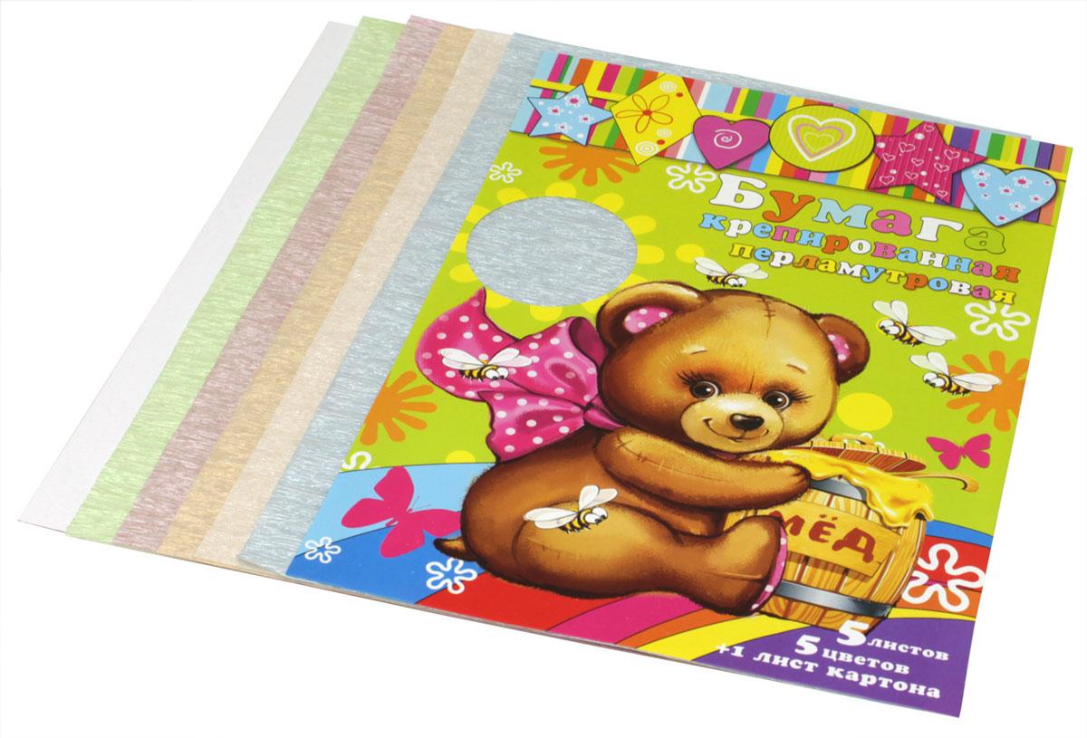 Феникс+ Цветная бумага крепированная перламутровая 5 листов + лист картона72523WDКрепированная перламутровая цветная бумага Феникс+ формата А4 идеально подходит для детского творчества: создания аппликаций, оригами и многого другого.В упаковке пять листов бумаги пяти различных цветов - белый перламутровый, желтый перламутровый, зеленый перламутровый, розовый перламутровый, голубой перламутровый, а также лист белого картона.Детские аппликации из тонкой цветной бумаги - отличное занятие для развития творческих способностей и познавательной деятельности малыша, а также хороший способ самовыражения ребенка.