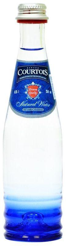 Courtois питьевая артезианская вода высшей категории негазированная, 0,25 л0120710Куртуа – питьевая вода высшей категории, которая не только отлично удаляет жажду, но и полезна для здоровья человека. Добывается из собственных артезианских скважин с глубины 105 м, расположенных в экологически чистой природной зоне Подмосковья. Куртуа содержит оптимальный состав йода и фтора для восполнения дефицита этих микроэлементов в организме человека, снабжает организм всеми необходимыми минералами, но не перегружает его солями. Куртуа можно пить без ограничений любому человеку, вне зависимости от возраста и образа жизни. Подходит для повседневного использования.