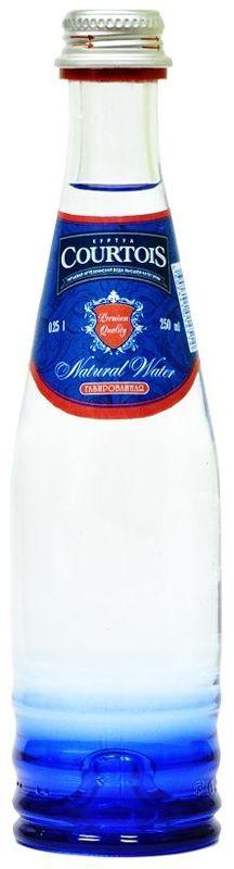 Courtois питьевая артезианская вода высшей категории газированная, 0,25 л0120710Куртуа – питьевая вода высшей категории, которая не только отлично удаляет жажду, но и полезна для здоровья человека. Добывается из собственных артезианских скважин с глубины 105 м, расположенных в экологически чистой природной зоне Подмосковья. Куртуа содержит оптимальный состав йода и фтора для восполнения дефицита этих микроэлементов в организме человека, снабжает организм всеми необходимыми минералами, но не перегружает его солями. Куртуа можно пить без ограничений любому человеку, вне зависимости от возраста и образа жизни. Подходит для повседневного использования.