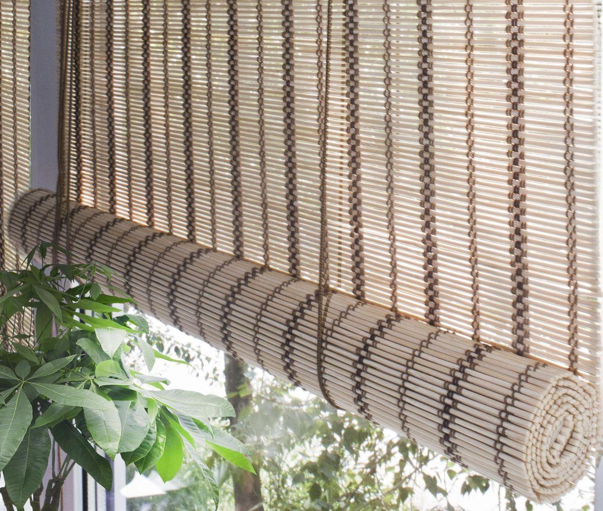 Штора рулонная Эскар Бамбук, цвет: песочный, ширина 100 см, высота 160 смRC-100BWCПри оформлении интерьера современных помещений многие отдают предпочтение природным материалам. Бамбуковые рулонные шторы - одно из натуральных изделий, способное сделать атмосферу помещения более уютной и в то же время необычной. Свойства бамбука уникальны: он экологически чист, так как быстро вырастает, благодаря чему не успевает накопить вредные вещества из окружающей среды. Кроме того, растение обладает противомикробным и антибактериальным действием. Занавеси из бамбука безопасно использовать в помещениях, где находятся новорожденные дети и люди, склонные к аллергии. Они незаменимы для тех, кто заботится о своем здоровье и уделяет внимание высокому уровню жизни.Бамбуковые рулонные шторы представляют собой полотно, состоящее из тонких бамбуковых стеблей и сворачиваемое в рулон.Римские бамбуковые шторы, как и тканевые римские шторы, при поднятии образуют крупные складки, которые прекрасно декорируют окно.Особенность устройства полотна позволяет свободно пропускать дневной свет, что обеспечивает мягкое освещение комнаты. Это натуральный влагостойкий материал, который легко вписывается в любой интерьер, хорошо сочетается с различной мебелью и элементами отделки. Использование бамбукового полотна придает помещению необычный вид и визуально расширяет пространство.Помимо внешней красоты, это еще и очень удобные конструкции, экономящие пространство. Изготавливаются они из специальных материалов, устойчивых к внешним воздействиям. Сама штора очень эргономичная, и позволяет изменять визуально пространство в зависимости от потребностей владельца.
