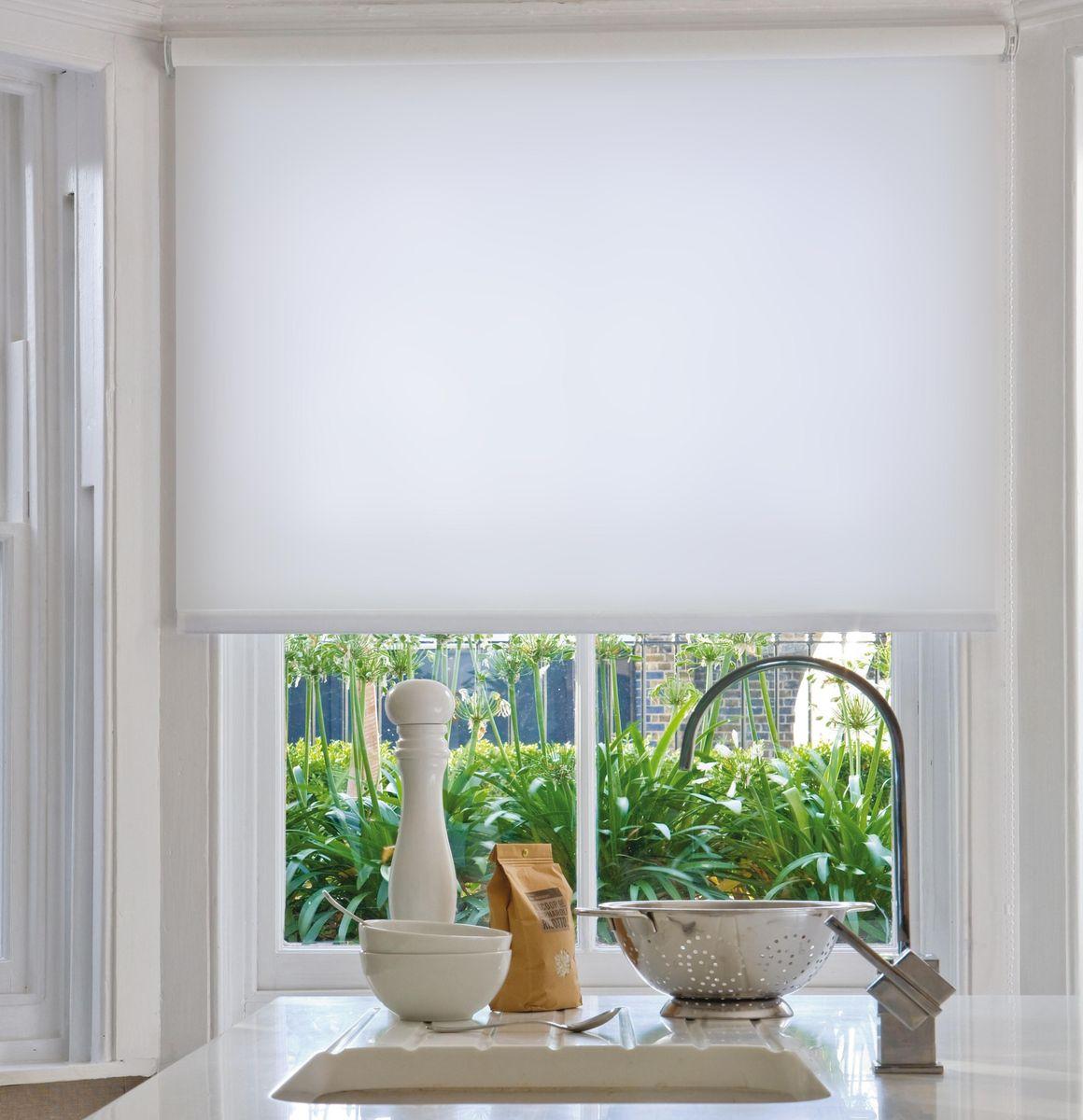 Штора рулонная Эскар, цвет: белый, ширина 150 см, высота 170 смK100Рулонными шторами можно оформлять окна как самостоятельно, так и использовать в комбинации с портьерами. Это поможет предотвратить выгорание дорогой ткани на солнце и соединит функционал рулонных с красотой навесных.Преимущества применения рулонных штор для пластиковых окон:- имеют прекрасный внешний вид: многообразие и фактурность материала изделия отлично смотрятся в любом интерьере; - многофункциональны: есть возможность подобрать шторы способные эффективно защитить комнату от солнца, при этом о на не будет слишком темной. - Есть возможность осуществить быстрый монтаж. ВНИМАНИЕ! Размеры ширины изделия указаны по ширине ткани!Во время эксплуатации не рекомендуется полностью разматывать рулон, чтобы не оторвать ткань от намоточного вала.В случае загрязнения поверхности ткани, чистку шторы проводят одним из способов, в зависимости от типа загрязнения: легкое поверхностное загрязнение можно удалить при помощи канцелярского ластика; чистка от пыли производится сухим методом при помощи пылесоса с мягкой щеткой-насадкой; для удаления пятна используйте мягкую губку с пенообразующим неагрессивным моющим средством или пятновыводитель на натуральной основе (нельзя применять растворители).