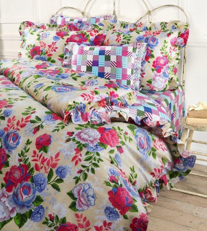 Комплект белья Mona Liza Rose, 2-спальный, наволочки 50x70, 70x705747/4Несомненно коллекция оригинальна и все в ней продумано до мелочей. Особого внимания заслуживают оборки и кружево на наволочках и оборки на пододеяльниках. Эта деталь делает коллекцию более романтичной и милой.