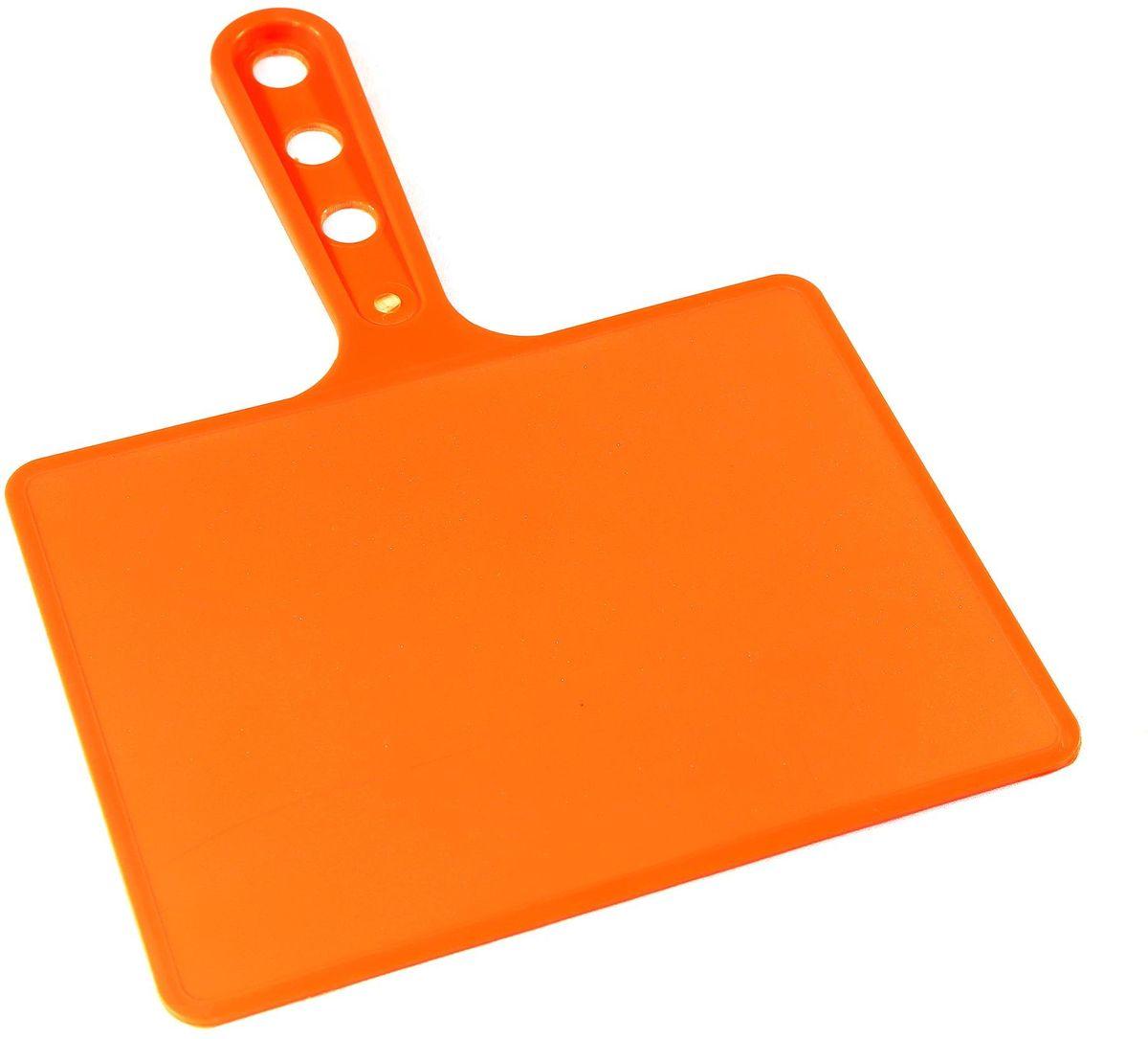 Веер для мангала BG, цвет: оранжевый. 150181SF 0085Веер для мангала BG предназначен для раздува углей в мангале. Изготовлен из высококачественного пластика (ПЭНД), одна сторона - глянец, вторая - шагрень. Ручка имеет 3 отверстия. Можно использовать как разделочную доску для мяса, нарезки овощей или хлеба.Рабочая поверхность выполнена в виде прямоугольника, размер: 197 х 148 мм.