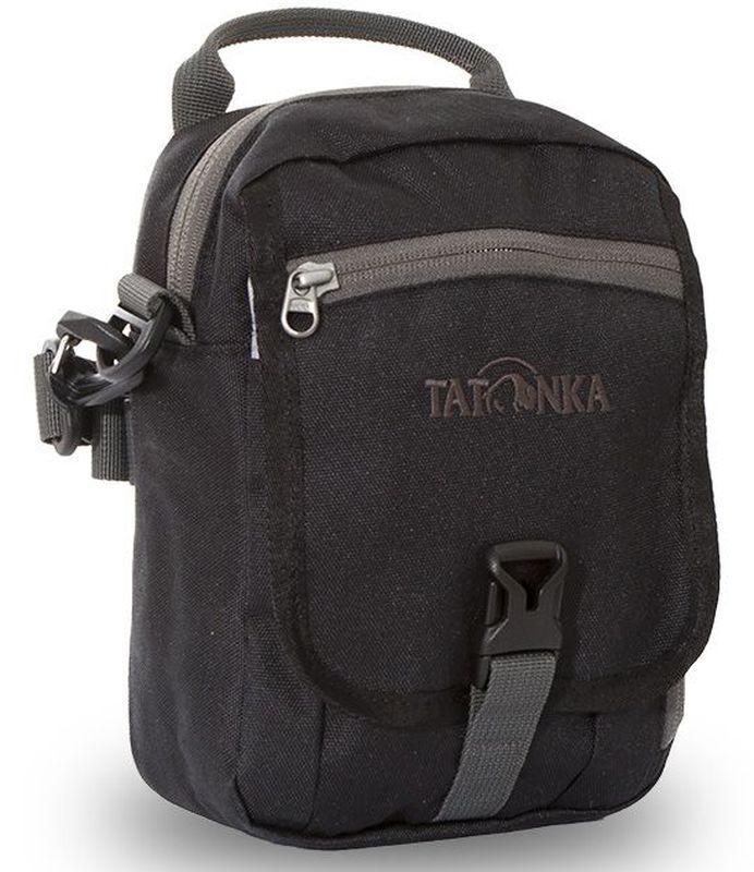Сумка плечевая Tatonka Check in CLIP, цвет: черный, 22x15x7 смГризлиУниверсальная дорожная сумочка на застежке-фастексе. Идеальная сумочка для хранения документов и полезных мелочей в путешествии. Сумочка Check In Clip, которую можно носить как на плече, так и на поясе, располагает большим основным отделением с двумя молниями , множеством кармашков и мини-органайзером. Крышка-клапан фиксируется фастексом.Преимущества и особенности:петли для переноски на поясесъемный плечевой ременьручка для переноскиудобный органайзермножество продуманных отделенийпрочный материал фирменный логотип