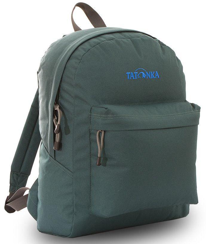 Рюкзак городской Tatonka Hunch Pack, цвет: темно-зеленый, 22 лDI.6280.190Классический городской рюкзак Tatonka Hunch Pack изготовлен из прочного материала на основе полиэфирного волокна (600 ден), который обладает прочностью, стойкостью к истиранию и выцветанию и универсальностью применения. В рюкзаке используются молнии YKK RC Zipper, которые надежно защищены от внешних воздействий. Эти молнии специально разработаны для рюкзаков и другого багажа, когда на первый план выходят надежность и высокая производительность.Мягкие уплотненные плечевые лямки регулируются по длине и удобны в любое время года. Регулировка длины лямок займет минуту, а их мягкая внешняя ткань будет комфортна даже летом. Спереди рюкзака расположен просторный накладной карман с встроенным органайзером, в котором удобно хранить все самое необходимое: ручку, блокнот, телефон и многое другое. Также карман подойдет для складного зонтика. Специальная планка защищает молнию кармана от попадания воды, тем самым сохраняя вещи сухими во время непогоды. Вверху рюкзака со стороны спины расположена удобная ручка, за которую рюкзак можно повесить на крючок или же нести в руке.Внутри рюкзак состоит из одного просторного отделения, которое отлично подходит для хранения любых вещей. Собираетесь на прогулку или экскурсию? Возьмите с собой термос, дождевик и влажные салфетки - все это легко поместится в основное отделение. Отправляетесь на учебу? Ноутбук, учебники, тетради и пенал - все удобно разместится в большом отделении рюкзака. Такой рюкзак подойдет тем, кто отправляется на экскурсию или в гости. Все, что нужно, вместится внутрь и доедет в целости и сохранности.