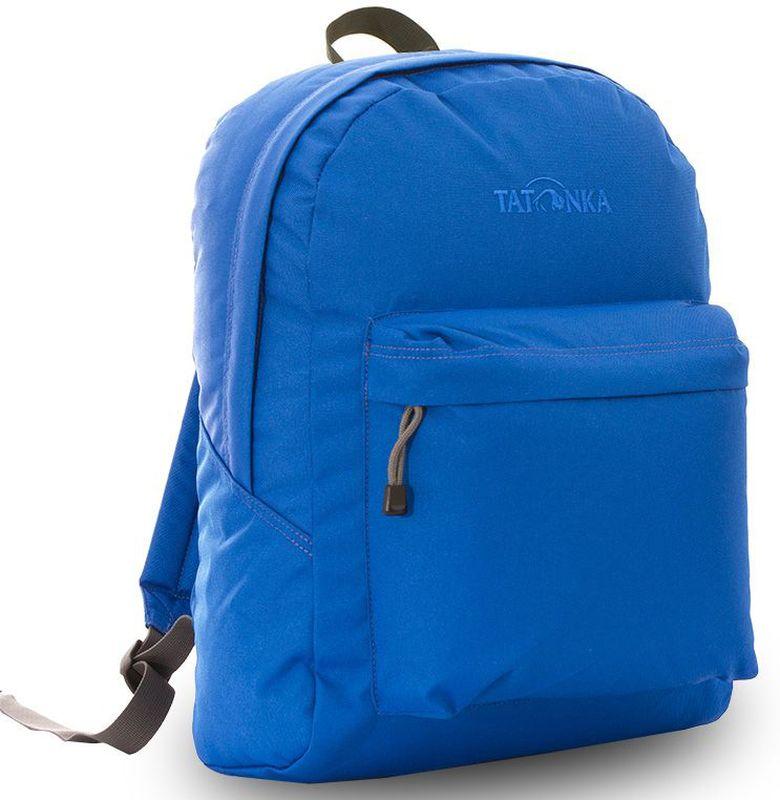 Рюкзак городской Tatonka Hunch Pack, цвет: синий, 22 л95429-924Классический городской рюкзак Tatonka Hunch Pack изготовлен из прочного материала на основе полиэфирного волокна (600 ден), который обладает прочностью, стойкостью к истиранию и выцветанию и универсальностью применения. В рюкзаке используются молнии YKK RC Zipper, которые надежно защищены от внешних воздействий. Эти молнии специально разработаны для рюкзаков и другого багажа, когда на первый план выходят надежность и высокая производительность.Мягкие уплотненные плечевые лямки регулируются по длине и удобны в любое время года. Регулировка длины лямок займет минуту, а их мягкая внешняя ткань будет комфортна даже летом. Спереди рюкзака расположен просторный накладной карман с встроенным органайзером, в котором удобно хранить все самое необходимое: ручку, блокнот, телефон и многое другое. Также карман подойдет для складного зонтика. Специальная планка защищает молнию кармана от попадания воды, тем самым сохраняя вещи сухими во время непогоды. Вверху рюкзака со стороны спины расположена удобная ручка, за которую рюкзак можно повесить на крючок или же нести в руке.Внутри рюкзак состоит из одного просторного отделения, которое отлично подходит для хранения любых вещей. Собираетесь на прогулку или экскурсию? Возьмите с собой термос, дождевик и влажные салфетки - все это легко поместится в основное отделение. Отправляетесь на учебу? Ноутбук, учебники, тетради и пенал - все удобно разместится в большом отделении рюкзака. Такой рюкзак подойдет тем, кто отправляется на экскурсию или в гости. Все, что нужно, вместится внутрь и доедет в целости и сохранности.