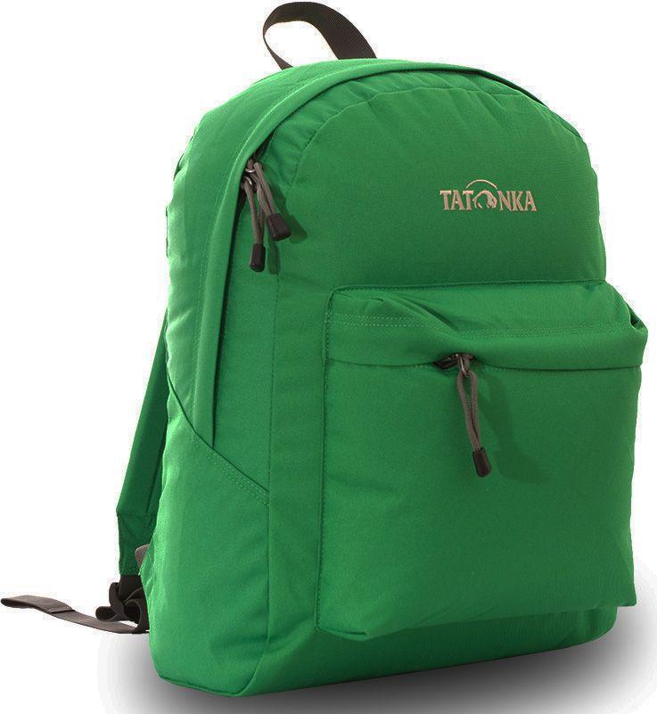 Рюкзак городской Tatonka Hunch Pack, цвет: зеленый, 22 лRivaCase 8460 blackКлассический городской рюкзак Tatonka Hunch Pack изготовлен из прочного материала на основе полиэфирного волокна (600 ден), который обладает прочностью, стойкостью к истиранию и выцветанию и универсальностью применения. В рюкзаке используются молнии YKK RC Zipper, которые надежно защищены от внешних воздействий. Эти молнии специально разработаны для рюкзаков и другого багажа, когда на первый план выходят надежность и высокая производительность.Мягкие уплотненные плечевые лямки регулируются по длине и удобны в любое время года. Регулировка длины лямок займет минуту, а их мягкая внешняя ткань будет комфортна даже летом. Спереди рюкзака расположен просторный накладной карман с встроенным органайзером, в котором удобно хранить все самое необходимое: ручку, блокнот, телефон и многое другое. Также карман подойдет для складного зонтика. Специальная планка защищает молнию кармана от попадания воды, тем самым сохраняя вещи сухими во время непогоды. Вверху рюкзака со стороны спины расположена удобная ручка, за которую рюкзак можно повесить на крючок или же нести в руке.Внутри рюкзак состоит из одного просторного отделения, которое отлично подходит для хранения любых вещей. Собираетесь на прогулку или экскурсию? Возьмите с собой термос, дождевик и влажные салфетки - все это легко поместится в основное отделение. Отправляетесь на учебу? Ноутбук, учебники, тетради и пенал - все удобно разместится в большом отделении рюкзака. Такой рюкзак подойдет тем, кто отправляется на экскурсию или в гости. Все, что нужно, вместится внутрь и доедет в целости и сохранности.