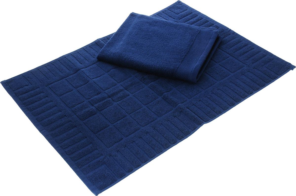 Набор Toalla: полотенце и коврик для ног, цвет: темно-синий531-401Набор Toalla состоит из полотенца и коврика для ног. Изделия выполнены из 100% хлопка. Ткань изделий обладает высокой плотностью и мягкостью, отличается высоким качеством и длительным сроком службы. В процессе эксплуатации материал становится только мягче и приятней на ощупь. Египетский хлопок не содержит линта (хлопковый пух), поэтому на ткани не образуются катышки даже после многократных стирок и длительного использования. Сверхдлинные волокна придают ткани характерный красивый блеск. Изделия отлично впитывают влагу и быстро сохнут. Такой набор красиво дополнит интерьер ванной комнаты и станет практичным приобретением. Коврик оформлен рельефным геометрическим рисунком.Плотность полотенца: 500 г/м2. Плотность коврика: 700 г/м2.