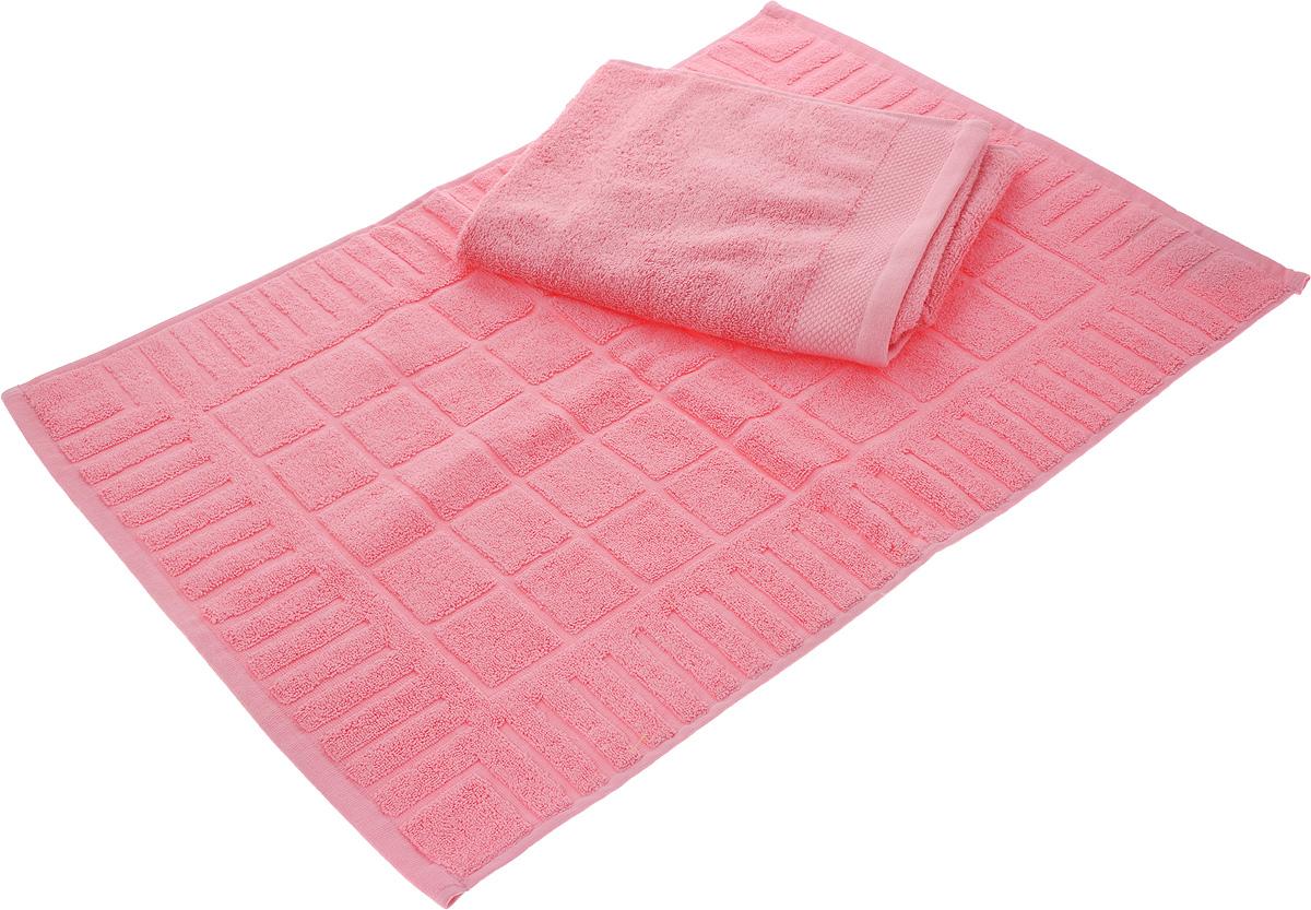 Набор Toalla: полотенце и коврик для ног, цвет: розовый391602Набор Toalla состоит из полотенца и коврика для ног. Изделия выполнены из 100% хлопка. Ткань изделий обладает высокой плотностью и мягкостью, отличается высоким качеством и длительным сроком службы. В процессе эксплуатации материал становится только мягче и приятней на ощупь. Египетский хлопок не содержит линта (хлопковый пух), поэтому на ткани не образуются катышки даже после многократных стирок и длительного использования. Сверхдлинные волокна придают ткани характерный красивый блеск. Изделия отлично впитывают влагу и быстро сохнут. Такой набор красиво дополнит интерьер ванной комнаты и станет практичным приобретением. Коврик оформлен рельефным геометрическим рисунком. Плотность полотенца: 500 г/м2. Плотность коврика: 700 г/м2.