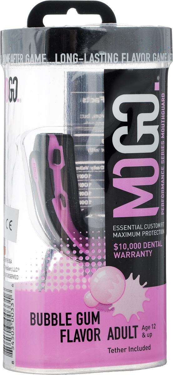 Капа одночелюстная MoGo, цвет: черный, розовый, вкус: жевательная резинкаadiBP03Поистине революционная технология позволила MoGo придать пластику вкус, создав первую в мире ароматизированную капу. Уникальность технологии в том, что ароматизатор не распылен по поверхности, а внедрен в сам материал. Благодаря этому, вы будете ощущать во рту приятный освежающий вкус каждый раз, как используете капу. Она также предотвращает пересыхание ротовой полости во время соревнований или тренировок, тем самым повышая эффективность вашего дыхания. Капа MoGo прекрасно подходит как для занятий единоборствами, так и для любых видов спорта, где необходима подобная защита. Капа изготовлена по принципу свари и укуси или проще говоря - вам придется предварительно нагреть ее в горячей воде, чтобы потом с легкостью подогнать под вашу челюсть. Продуманный дизайн гарантирует вам максимум защиты, отдачи, комфорта и свободы дыхания во время тренировок. Все ароматизаторы изготовлены из натуральных компонентов. Все вкусовые добавки и материалы одобрены Управлением по контролю качества пищевых продуктов и лекарственных препаратов (FDA, США) и не содержат бисфенола А (BPA). Данная модель одночелюстной капы предназначена для ношения на верхней челюсти. Не подходит для использования с зубными скобками (брекетами).
