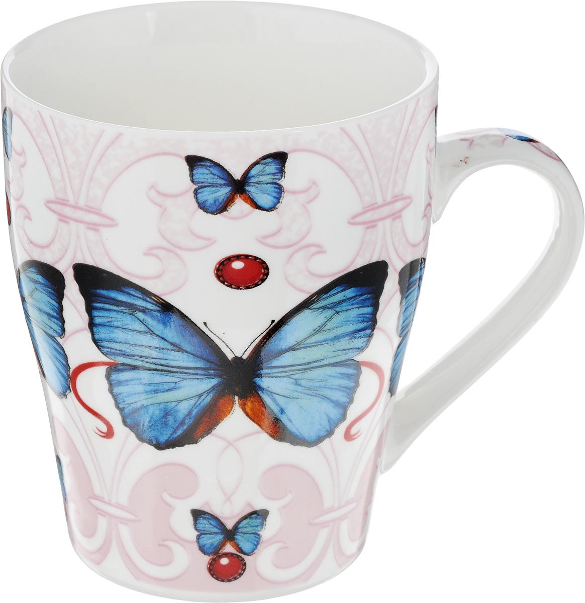 Кружка Loraine Бабочка, цвет: белый, розовый, синий, 340 мл410047Кружка Loraine Бабочка изготовлена из высококачественного костяного фарфора и оформлена стильным рисунком. Изящный дизайн придется по вкусу и ценителям классики, и тем, кто предпочитает современный стиль. Она настроит на позитивный лад и подарит хорошее настроение с самого утра. Кружка Loraine Бабочка - идеальный и необходимый подарок для вашего дома и для ваших друзей в праздники.Диаметр кружки: 8 см.Высота стенки: 10 см.