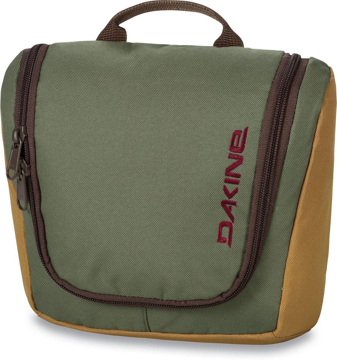 Косметичка дорожная Dakine Travel Kit, цвет: хаки, 3 л95940-905Косметичка Dakine Travel Kit выполнена из полиэстера и застегивается на молнию. Модель может подвешиваться за крючок. Внутри отделение-органайзер.