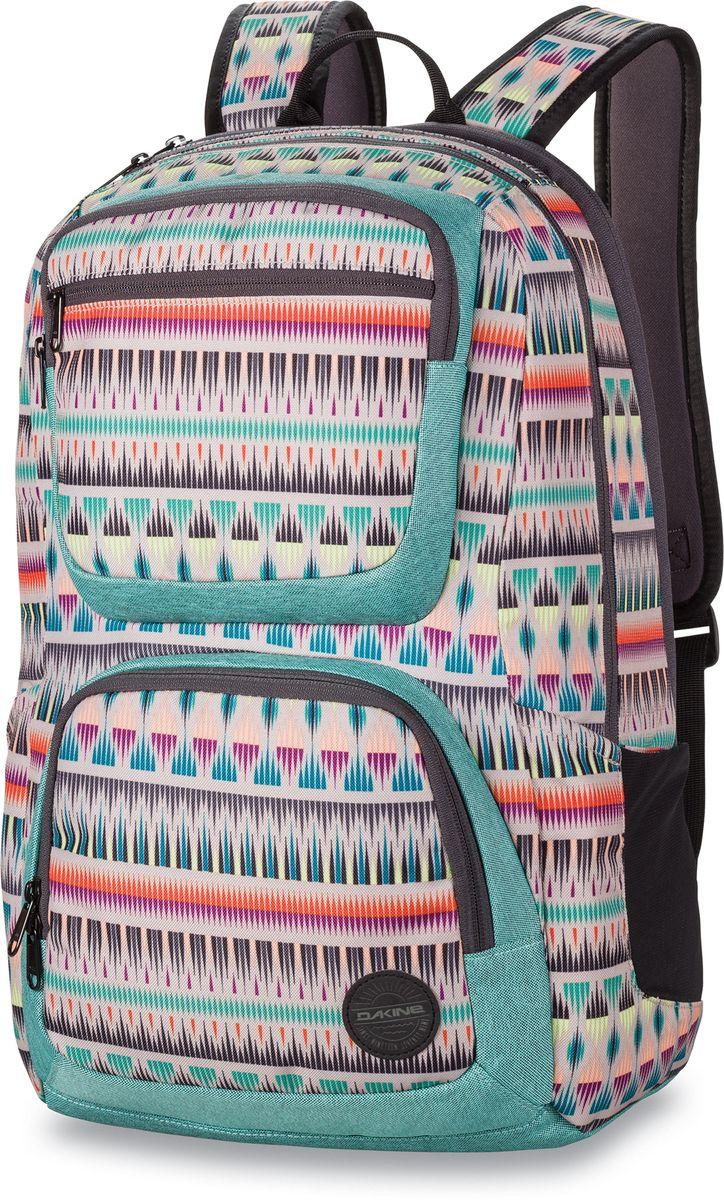 Рюкзак женский Dakine Jewel, цвет: мультиколор, 26 лГризлиГородской женский рюкзак Dakine Jewel выполнен из полиэстера. Модель оснащено отделением для ноутбука до 15. Имеется карман для очков из мягкого флиса. Боковые карманы. Фронтальный карман-термос на молнии. Фронтальный карман-органайзер. Плечевые широкие лямки регулируются по длине, имеется петля для подвешивания рюкзака.
