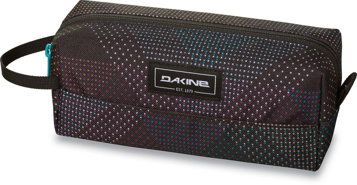 Сумка для аксессуаров женская Dakine Accessory, цвет: черный, 0,3 л00127386 8260005Сумка для аксессуаров Dakine Accessory выполнена из полиэстера и застегивается на молнию. Можно использовать в качестве пенала, косметички, сумочки для проводов.