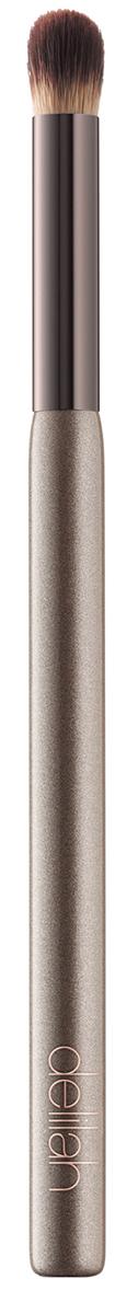 Delilah Кисть для консилера28032022Эта необычная синтетическая кисть для консилера позволяет легко смешивать и растушевывать жидкие и кремообразные консилеры в зоне под глазами. Удлиненная ручка имеет эргономичное строение для контроля нанесения.