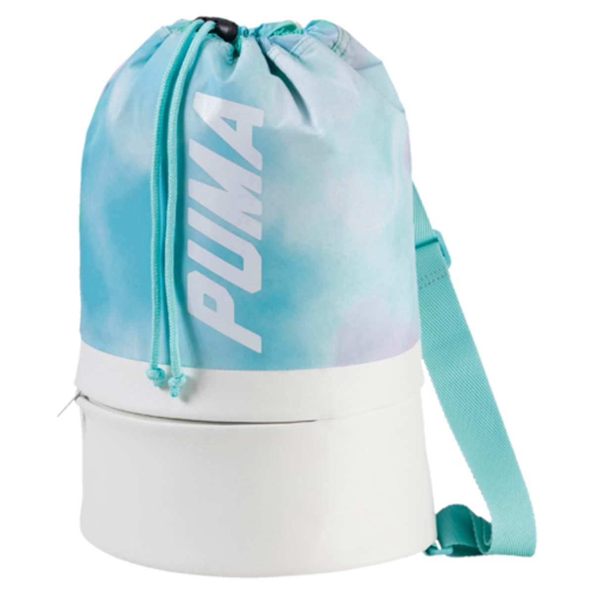 Рюкзак женский Puma Prime Bucket Bag P, цвет: белый, бирюзовый. 0745560207455602Рюкзак Pumaвыполнен из текстиля. Модель с одним отделением, застегивается при помощи затягивающегося шнурка. Рюкзак оснащен регулируемыми по длине тонкими плечевыми лямками.