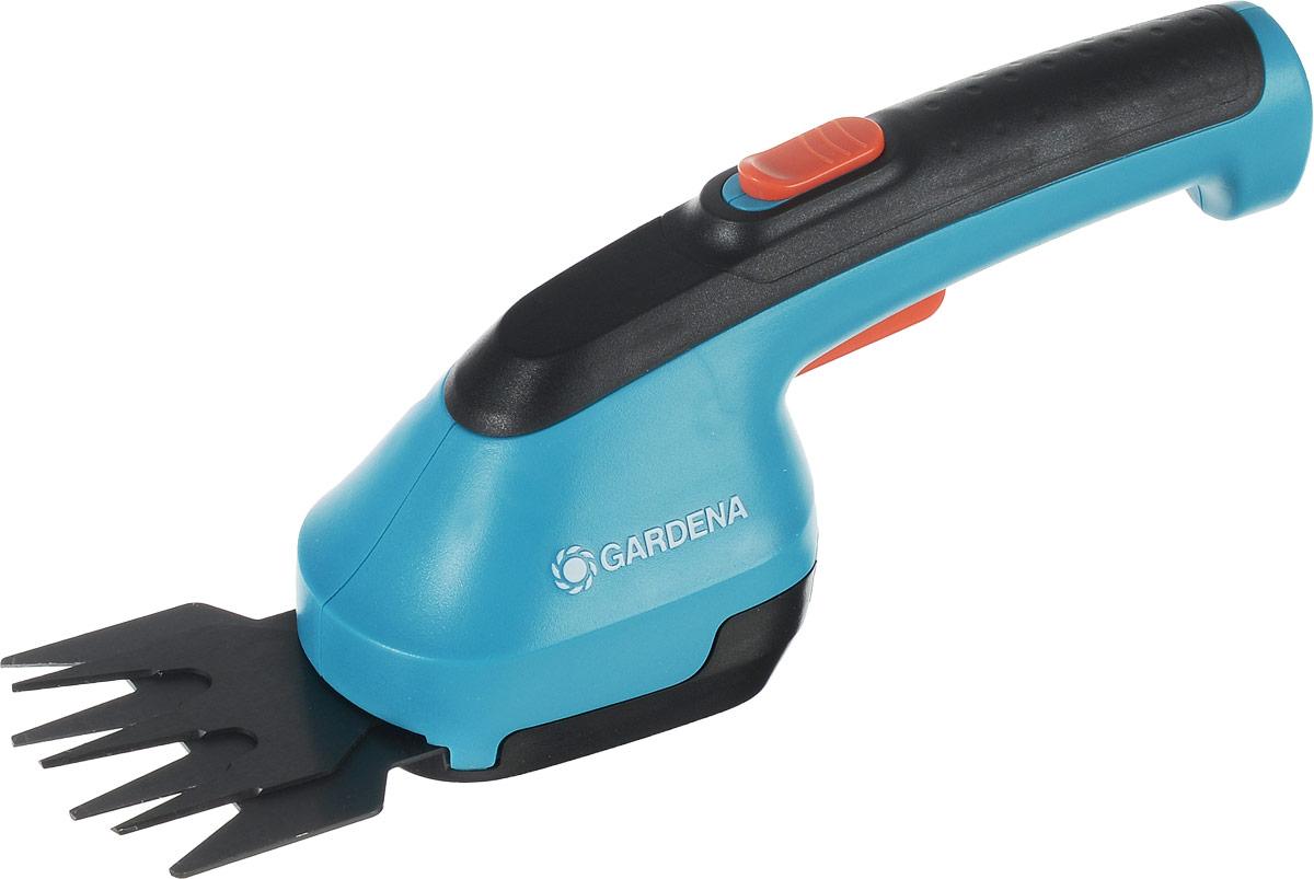 Ножницы для газона Gardena AccuCut, аккумуляторные391602Ножницы Gardena AccuCut обеспечивают удобную стрижку кромок газонов и придание формы кустарникам без подключения к электросети. Работает от мощных и простых в обслуживании литий-ионные аккумуляторных батарей. Эргономичная рукоятка обеспечивает удобство в работе. Высокая мощность - наилучшие результаты стрижки. Ножницы оснащены высококачественным сменным ножом прецизионной заточки с покрытием от налипания.Время работы: 40 мин.Максимальное расстояние, на которое хватает аккумулятора ножниц: 700 м.Напряжение: 3,6 В.Ширина лезвия: 8 см.