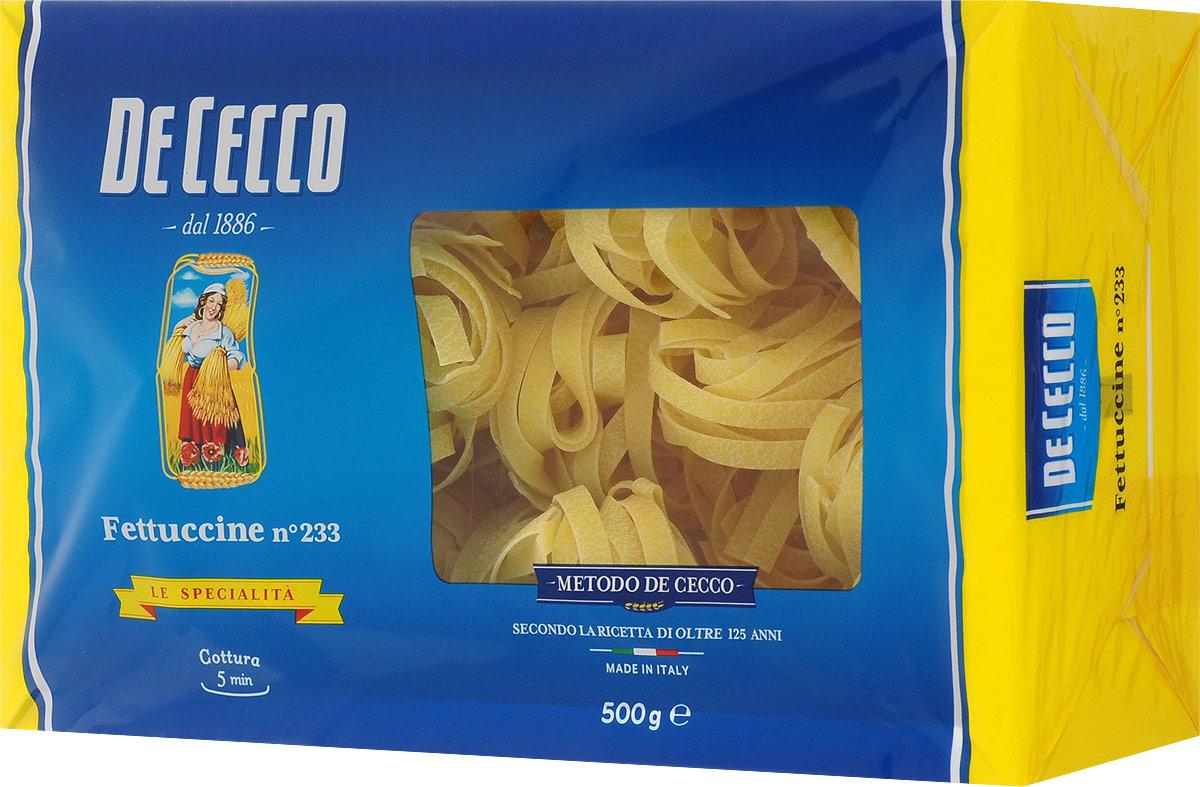 De Cecco паста феттучине №233, 500 г8001250152336Паста De Cecco Феттучине №233 относится к семейству длинных макаронных изделий скрученных в гнезда, с плоским сечением толщиной от 0,88 мм до 0,92 мм.Феттучине очень универсальны в приготовлении и подаются с различными соусами, особенно рекомендуются в рецептах с томатным соусом и мясным рагу. А также прекрасно подходят для приготовления рецептов на основе морепродуктов, особенно с моллюсками.