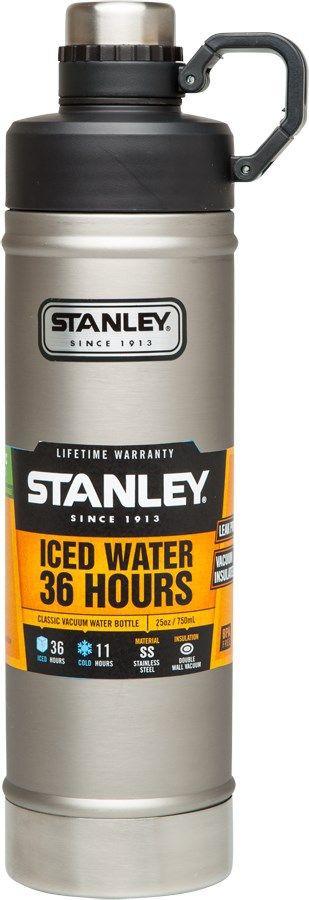 Термобутылка Stanley Classic, цвет: стальной, 0,75 л67742Stanley Classic - это бутылка с термоизоляцией для ежедневных и экстраординарных приключений! Корпус и внутренняя колба изготовлены из нержавеющей стали. Снаружи термос покрыт абразивостойкой эмалью. Термос оснащен двухступенчатой крышкой с кольцом-держателем. Вакуумная изоляция: сохраняет холод – 11 часов, напитки со льдом - 36 часов.Бутылка герметична, не прольется ни капли.Подходит для мытья в посудомоечной машине.