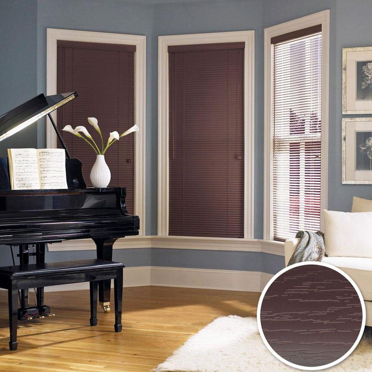 Жалюзи Эскар, цвет: темный кофе, ширина 160 см, высота 160 см1004900000360Для того чтобы придать интерьеру изюминку и завершенность, нет ничего лучше, чем использовать жалюзи на окнах квартиры, дома или офиса. С их помощью можно подчеркнуть индивидуальный вкус, а также стилевое оформление помещения. Помимо декоративных функций, жалюзи выполняют и практические задачи: они защищают от излишнего солнечного света, не дают помещению нагреваться, а также создают уют в темное время суток.Пластиковые жалюзи - самое универсальное и недорогое решение для любого помещения. Купить их может каждый, а широкий выбор размеров под самые популярные габариты сделает покупку простой и удобной. Пластиковые жалюзи имеют высокие эксплуатационные характеристики - они гигиеничны, что делает их незаменимыми при монтаже в детских и медицинских учреждениях.