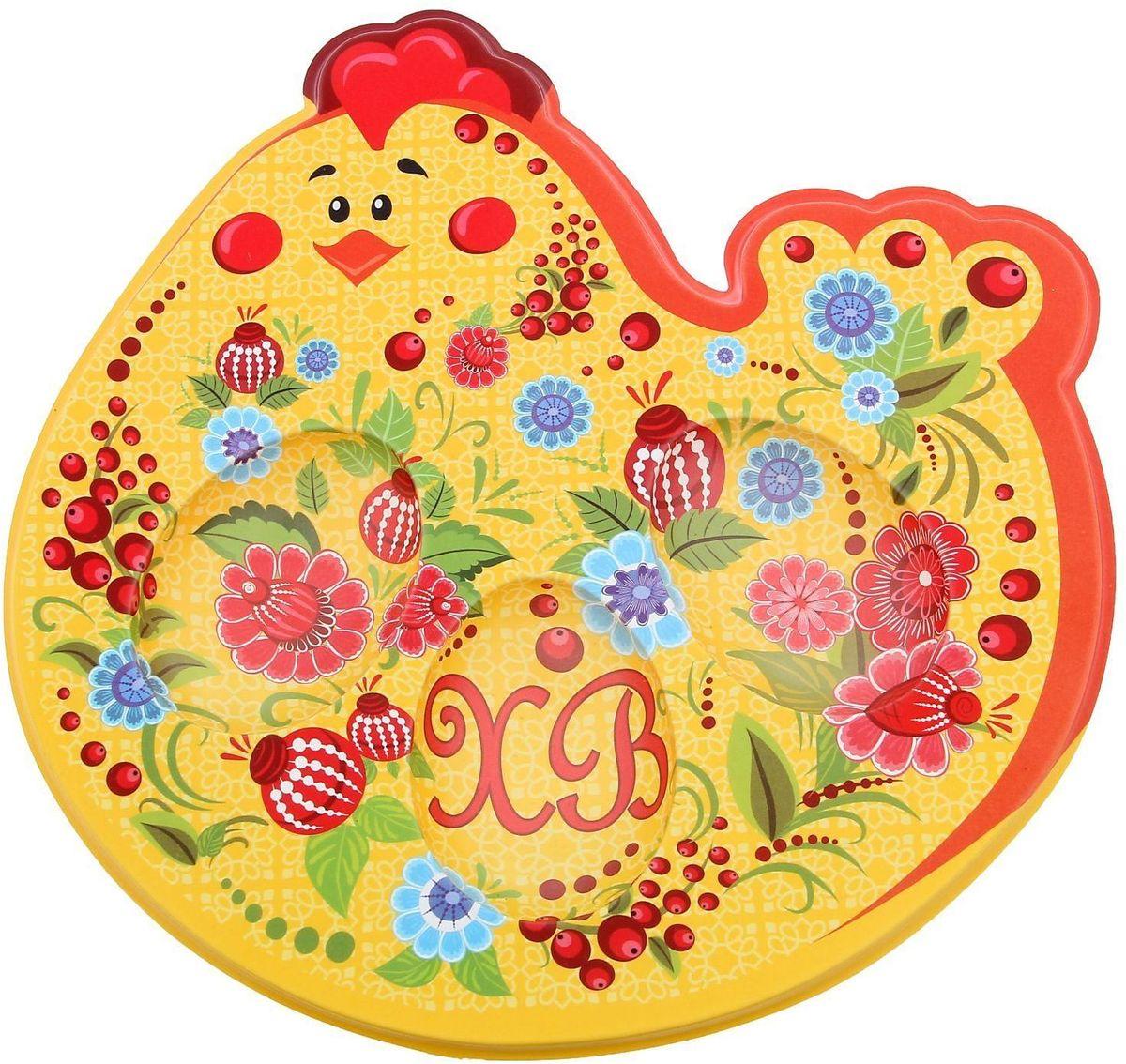 Подставка пасхальная Курочка, под 3 яйца, 18 х 8,2 см. 1253088115510Пасхальная подставка для 3 яйц и кулича изготовлена из качественного пластика, в центре имеется яркая вставка. Аксессуар станет достойным украшением праздничного стола, создаст радостное настроение и наполнит пространство вашего дома благостной энергией на весь год вперёд.Подставка будет ценным памятным подарком для родных, друзей и коллег.Радости, добра и света вам и вашим близким!