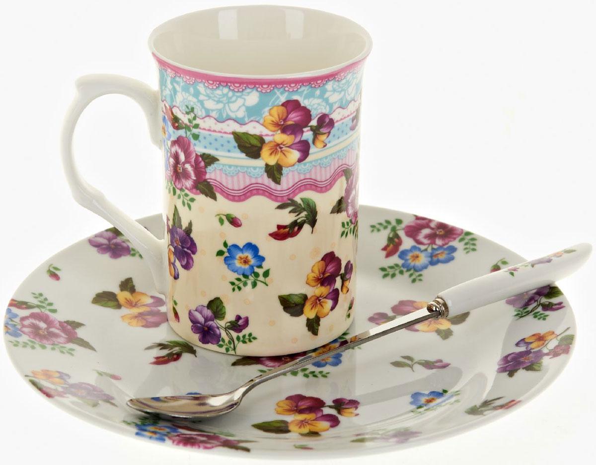 Чайная пара Nouvelle De France Версаль, с ложкой, 3 предмета115510Оригинальная фарфоровая кружка Nouvelle с ложкой и десертная тарелка, выполнены из высококачественной керамики, сочетают в себе изысканный дизайн с максимальной функциональностью.Красочность оформления кружки придется по вкусу и ценителям классики, и тем, кто предпочитает утонченность и изысканность.В комплект входит кружка, ложка и десертная тарелка. Можно использовать в ПММ.