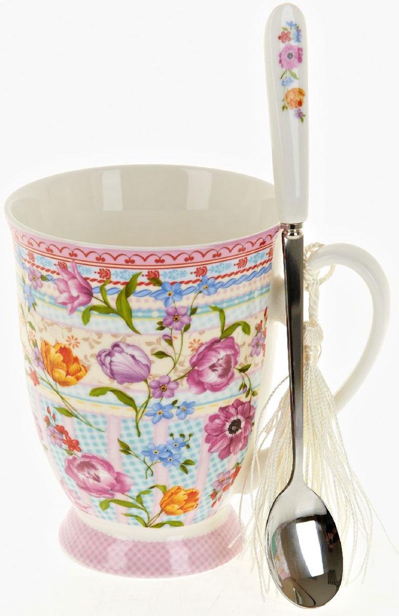 Кружка Nouvelle De France Разноцветные тюльпаны, с ложкой, 360 мл54 009312Оригинальная фарфоровая кружка Nouvelle с ложкой, выполненная из высококачественной керамики, сочетает в себе изысканный дизайн с максимальной функциональностью.Красочность оформления кружки придется по вкусу и ценителям классики, и тем, кто предпочитает утонченность и изысканность. В комплект входит кружка и ложка. Можно использовать в ПММ.