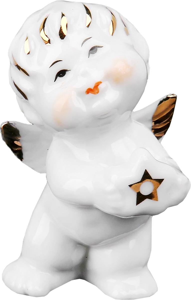 Сувенир пасхальный Sima-land Ангелочек со звездочкой, 4 х 4,5 х 7,5 смa030041Статуэтка ангела – не просто милый сувенир, выполняющий исключительно декоративную функцию. Его символическое значение куда более глубоко: даря близкому человеку ангелочка, Вы демонстрируете ему свои искренние симпатию и привязанность и желаете мира и благополучия. Изначально такая фигурка символизировала ангела-хранителя, незримого покровителя и защитника, а значит, она вполне может стать надежным оберегом, охраняющим своего обладателя от бед.