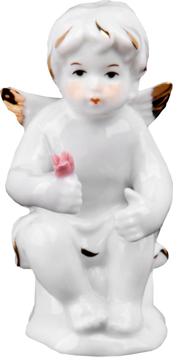 Сувенир пасхальный Sima-land Ангел с цветком, 5 х 4,5 х 9 см25051 7_зеленыйСтатуэтка ангела – не просто милый сувенир, выполняющий исключительно декоративную функцию. Его символическое значение куда более глубоко: даря близкому человеку ангелочка, Вы демонстрируете ему свои искренние симпатию и привязанность и желаете мира и благополучия. Изначально такая фигурка символизировала ангела-хранителя, незримого покровителя и защитника, а значит, она вполне может стать надежным оберегом, охраняющим своего обладателя от бед.
